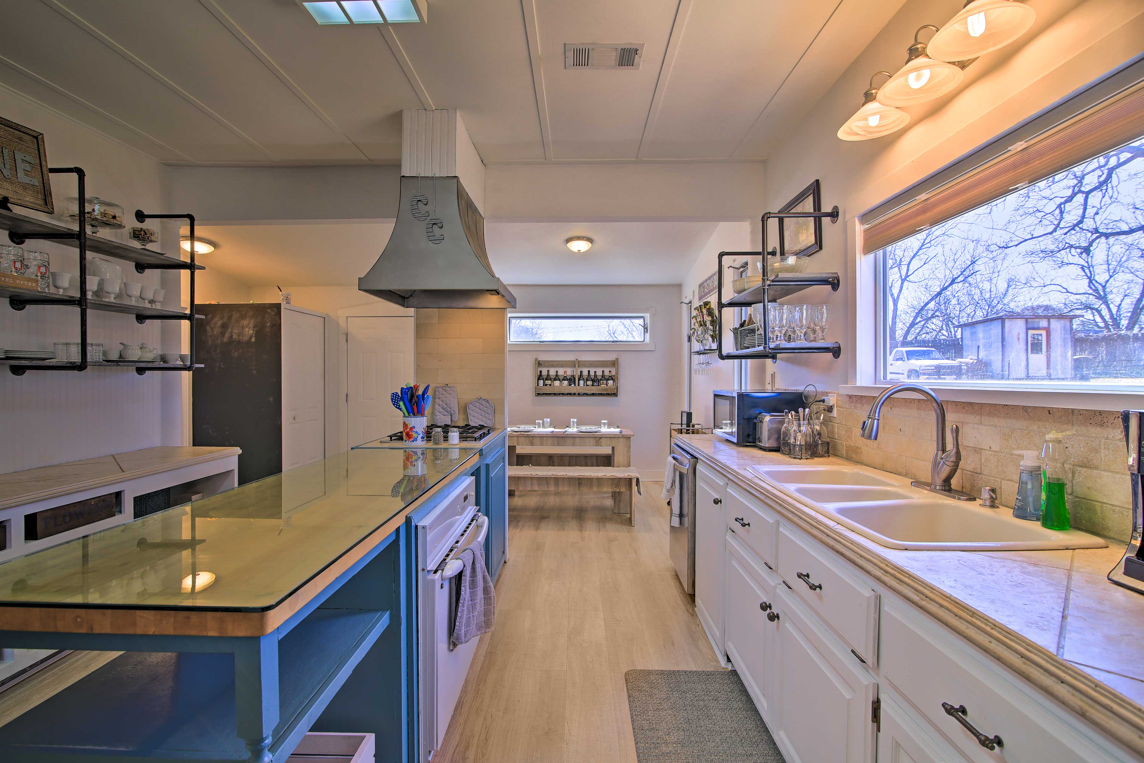 Fully Equipped Kitchen | Dishware Provided