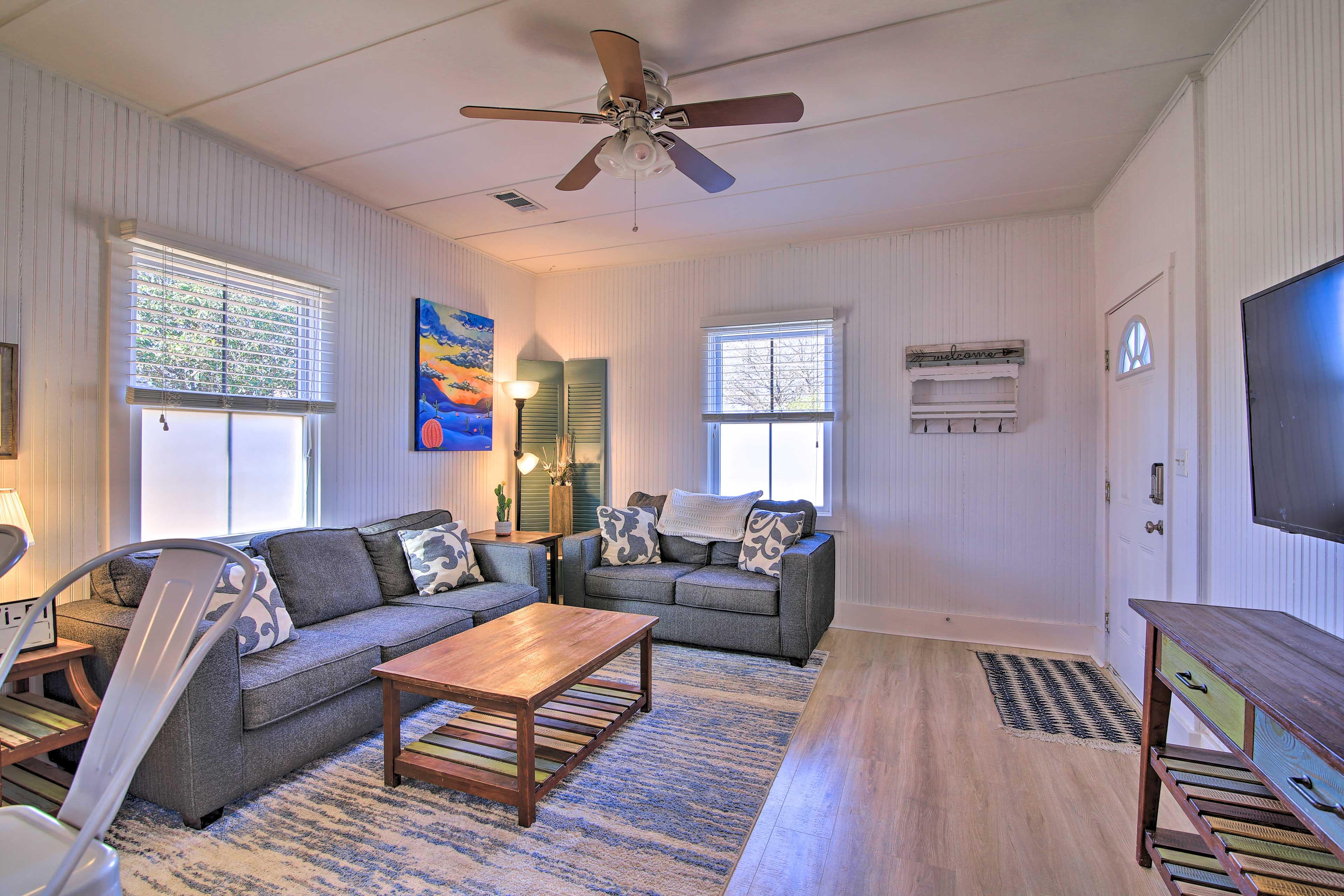 Living Room | Smart TV | Queen Air Mattress | Central A/C