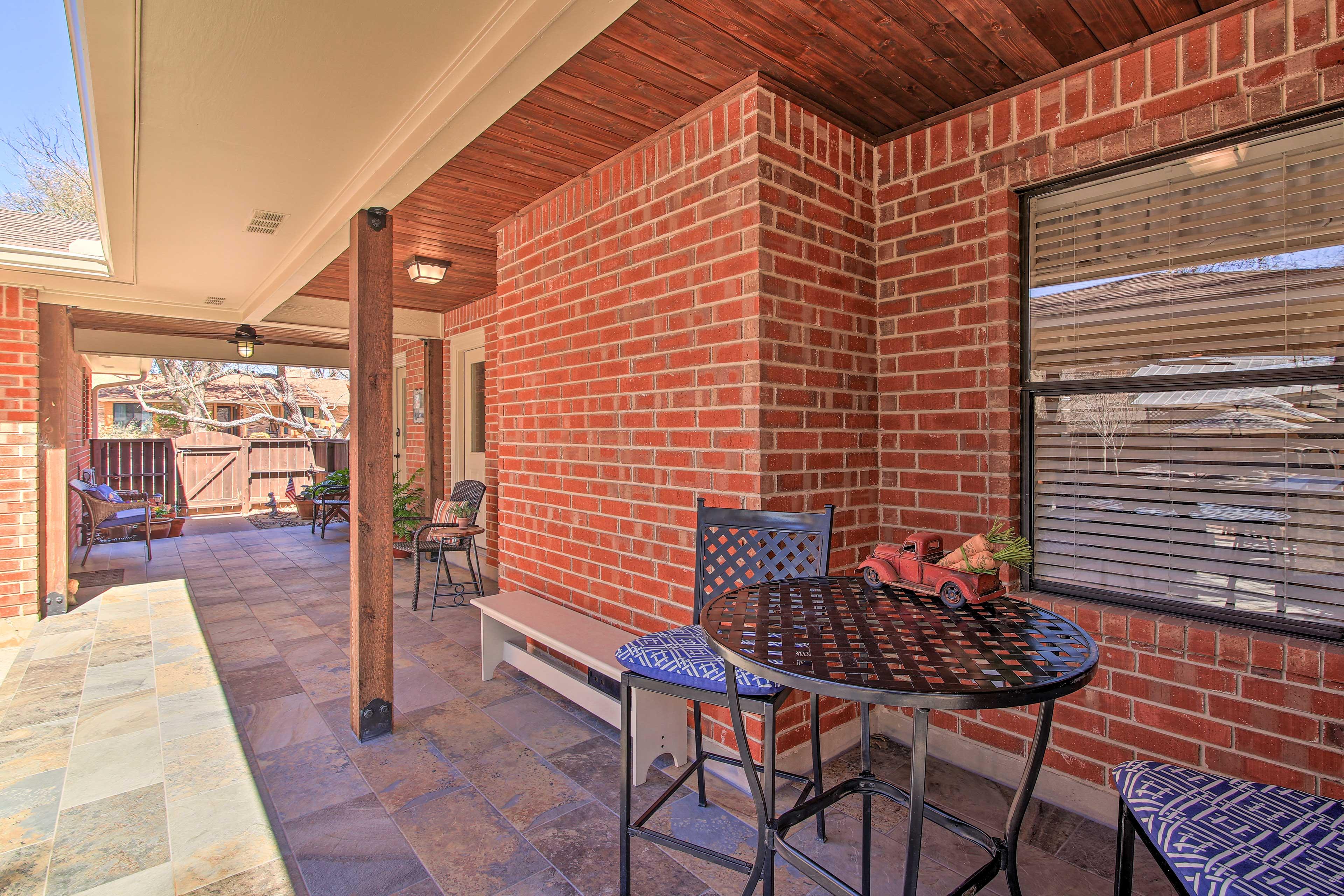 Private Backyard | Covered Patio