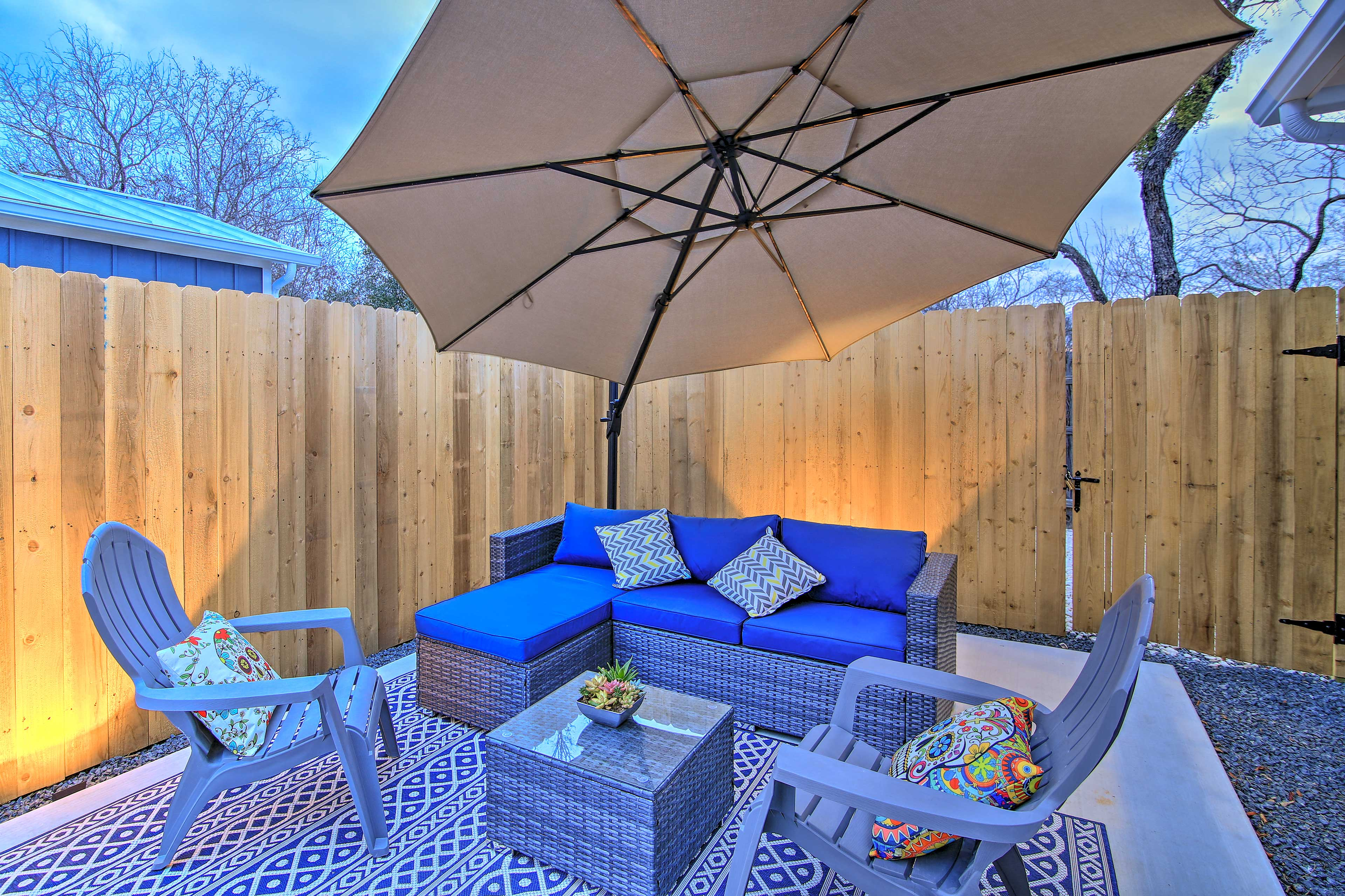 Private Patio | Outdoor Living Room