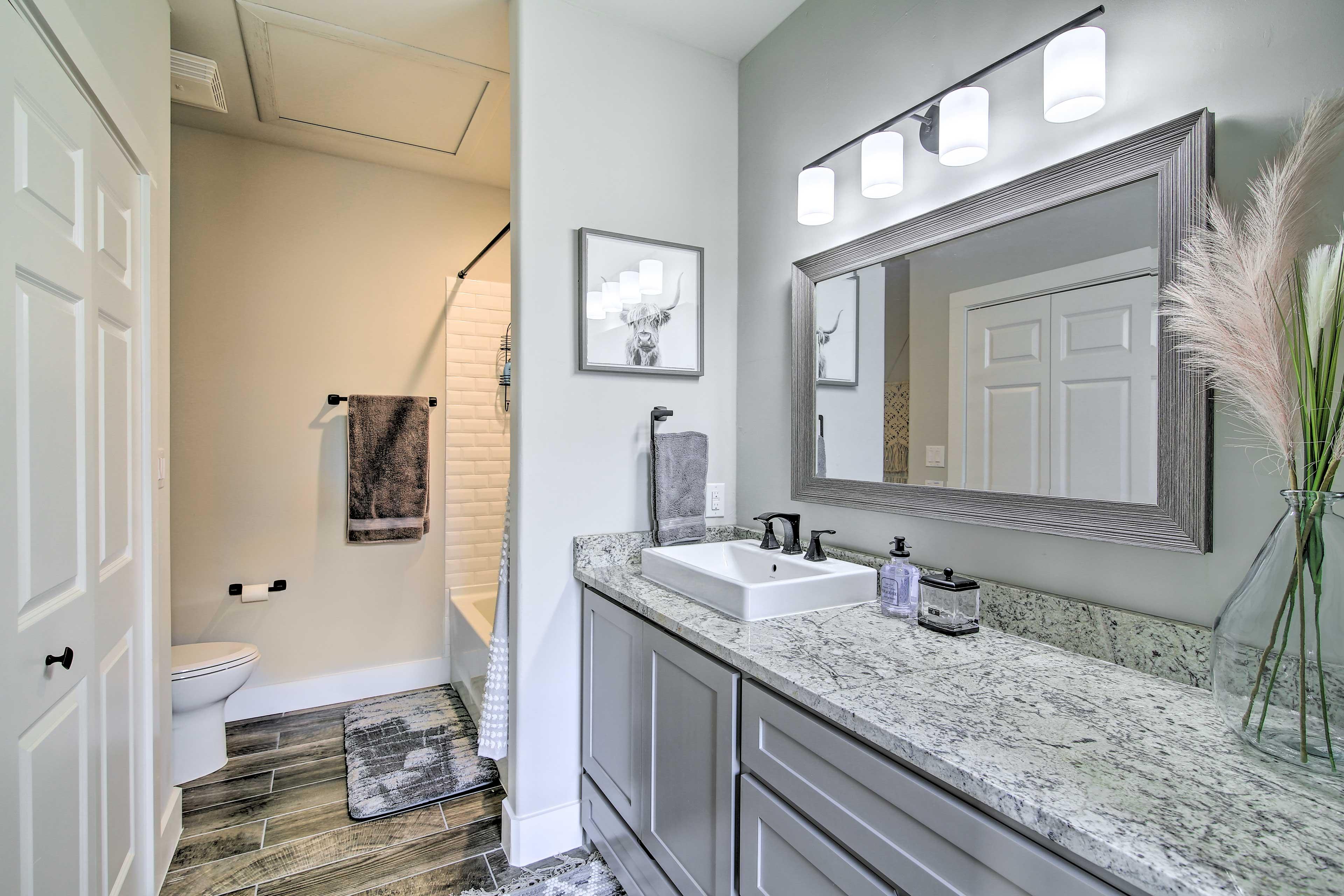 Bathroom | Complimentary Toiletries | Hair Dryer