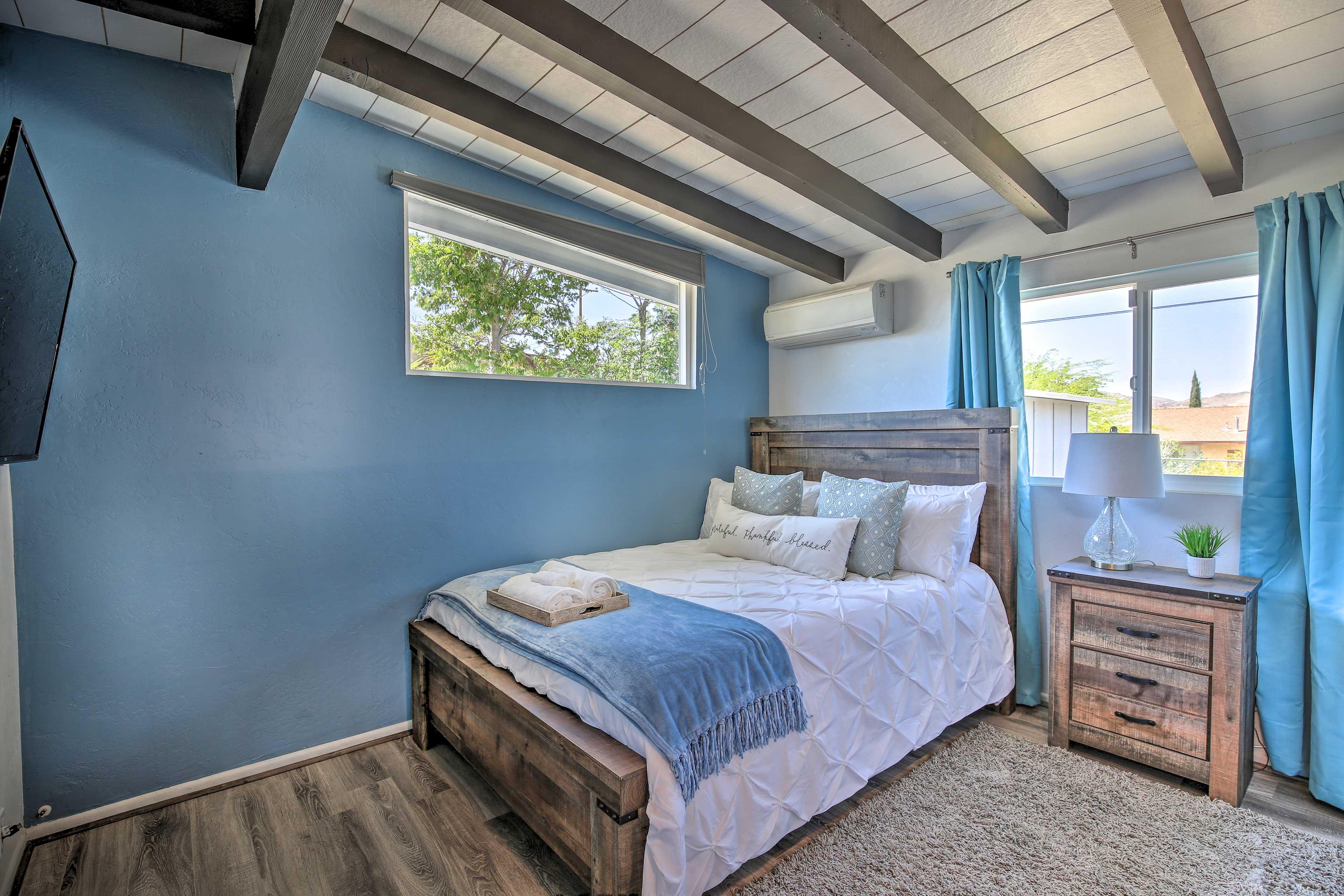 Bedroom 1 | Queen Bed | Linens Provided