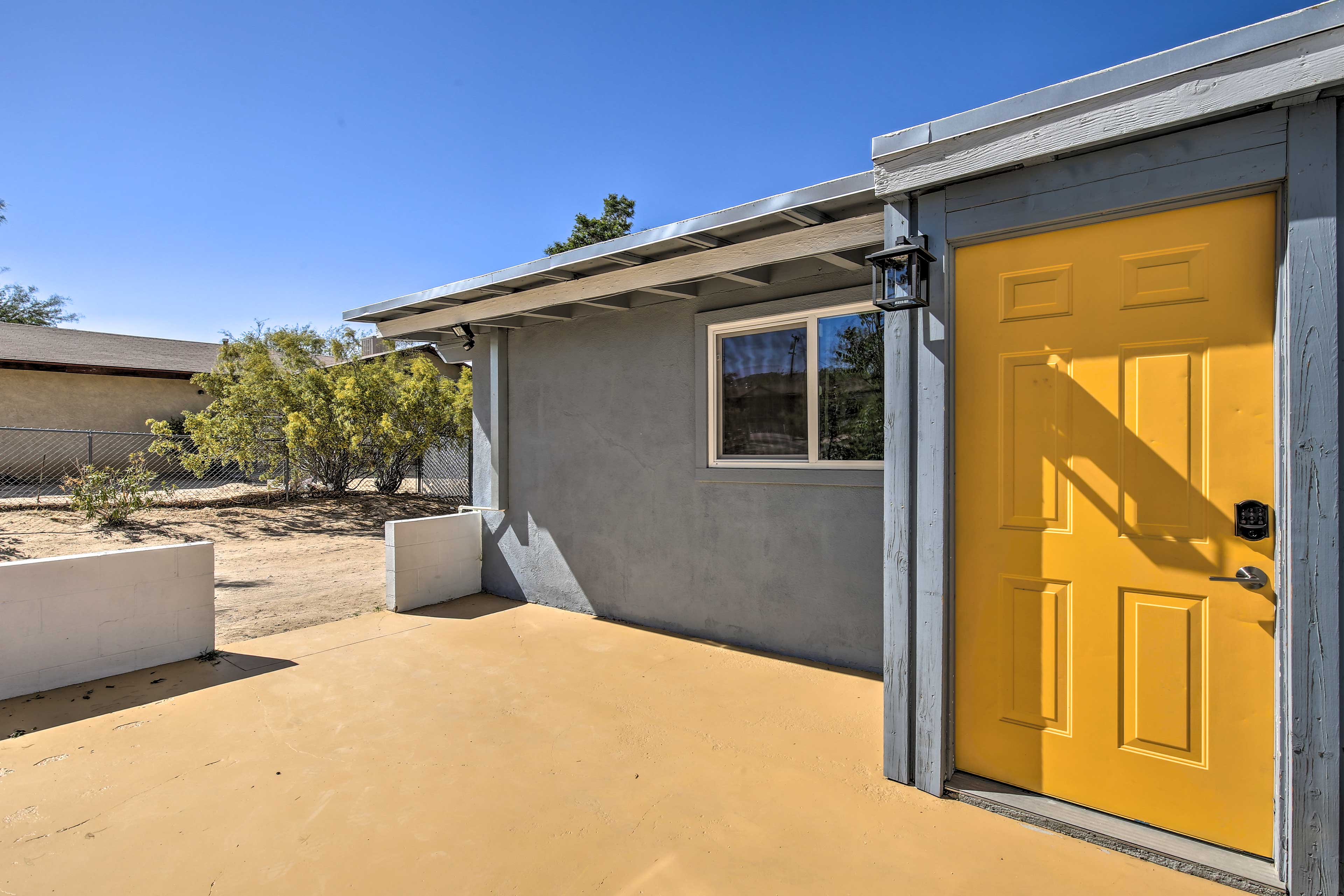 Front Entrance | Keyless Entry