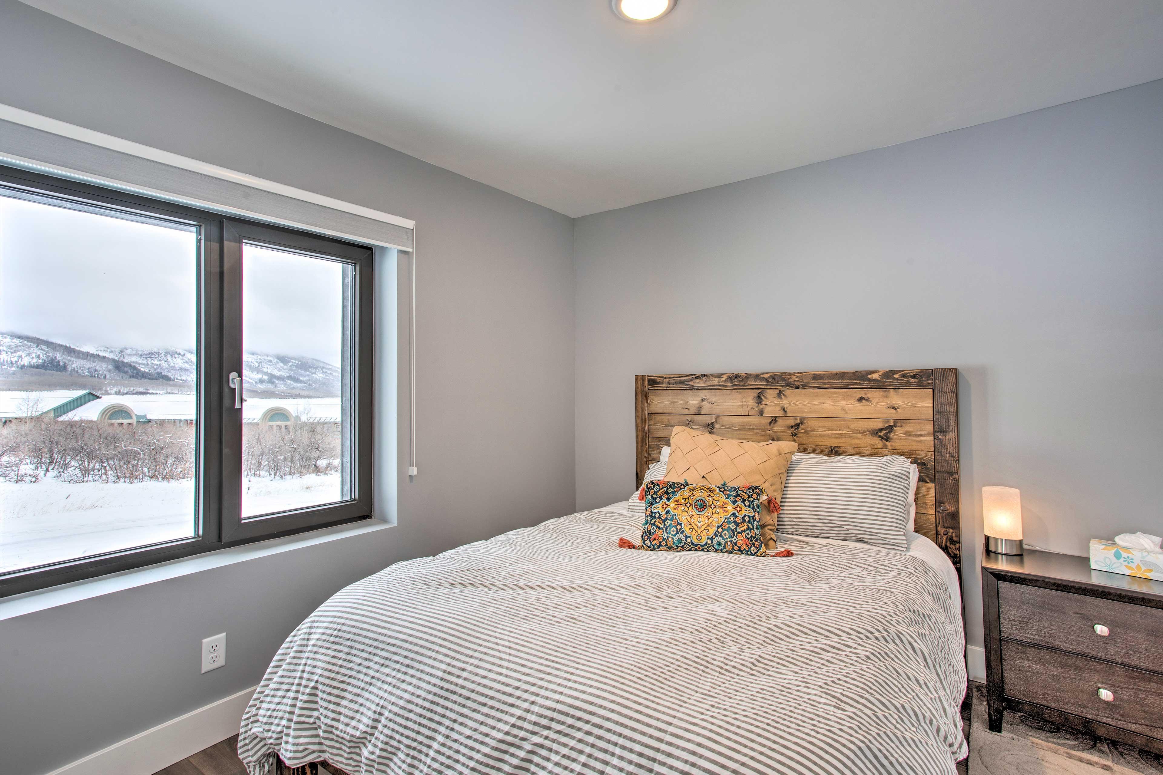 Bedroom 2 | First Floor | Queen Bed