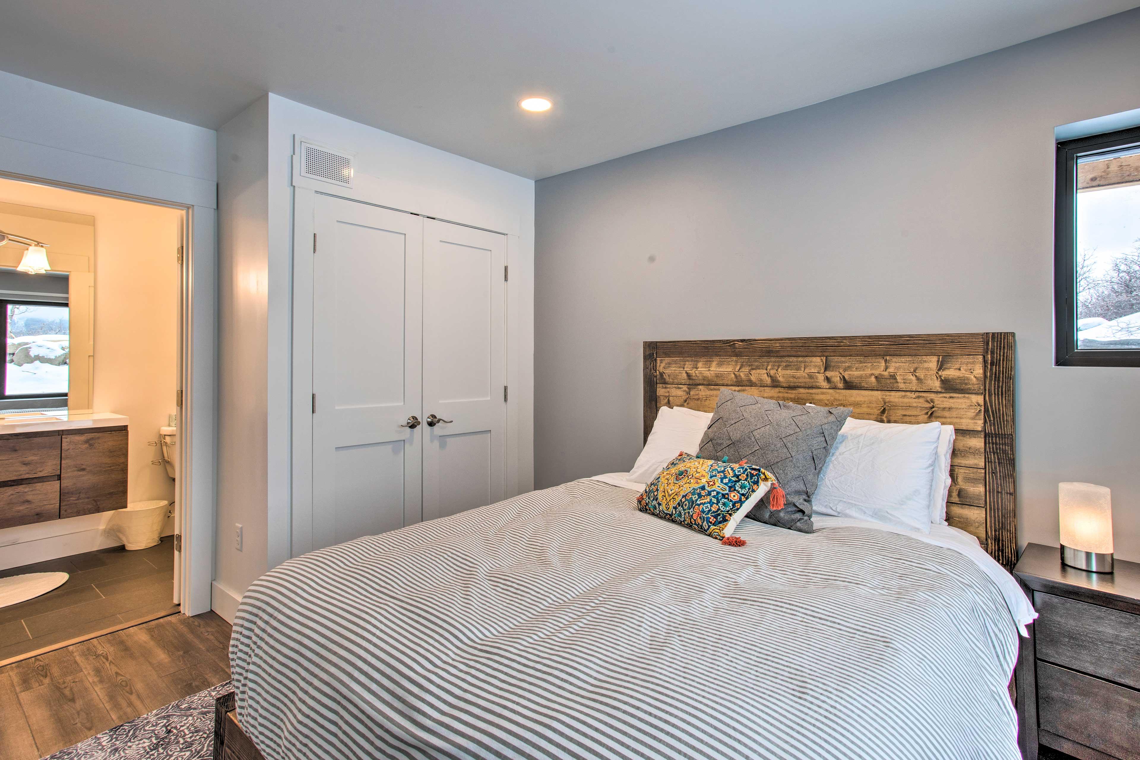 Bedroom 1 | En-Suite Bathroom | Linens Provided