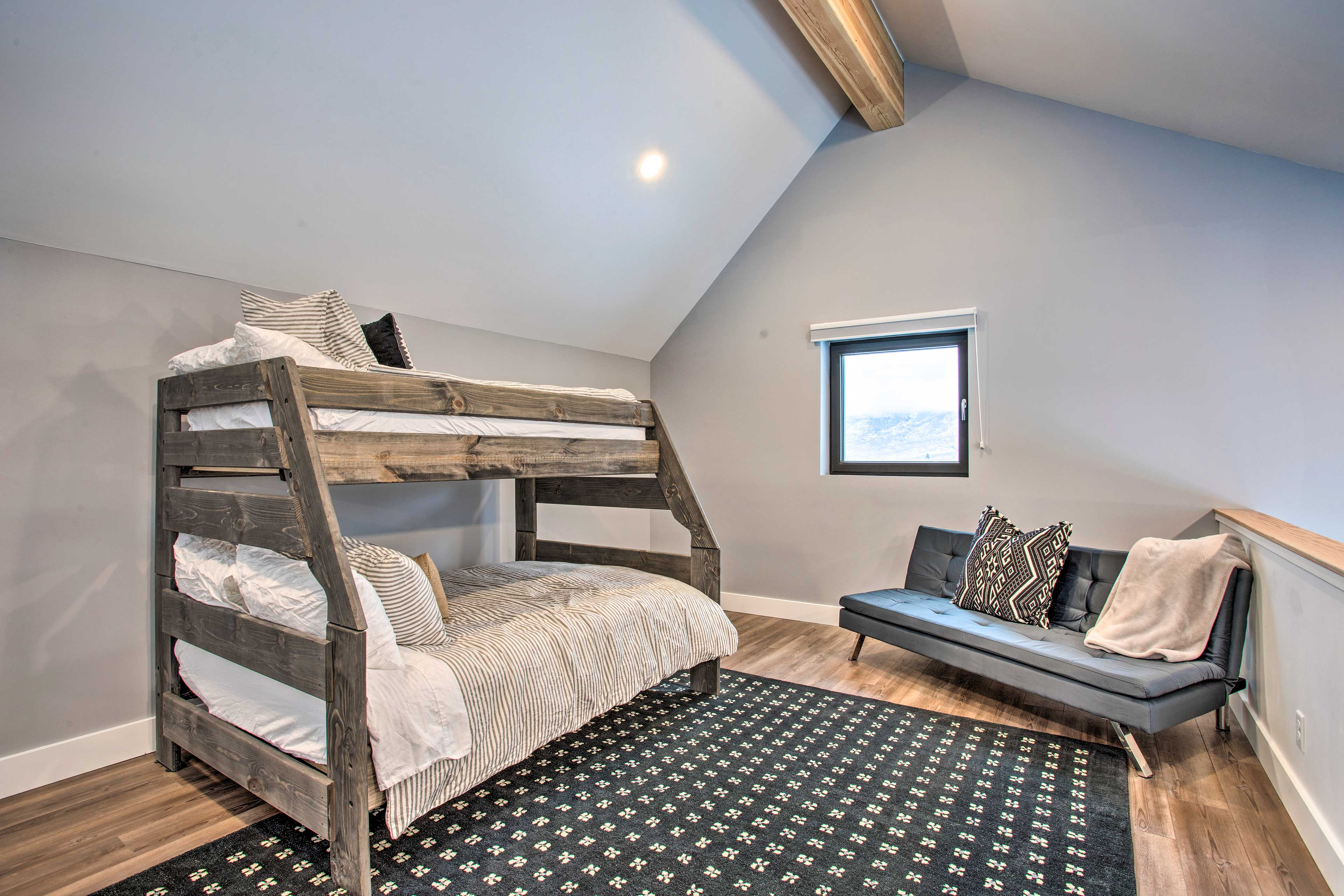 Bedroom 3 (Loft) | Twin/Full Bunk Bed | Second Floor