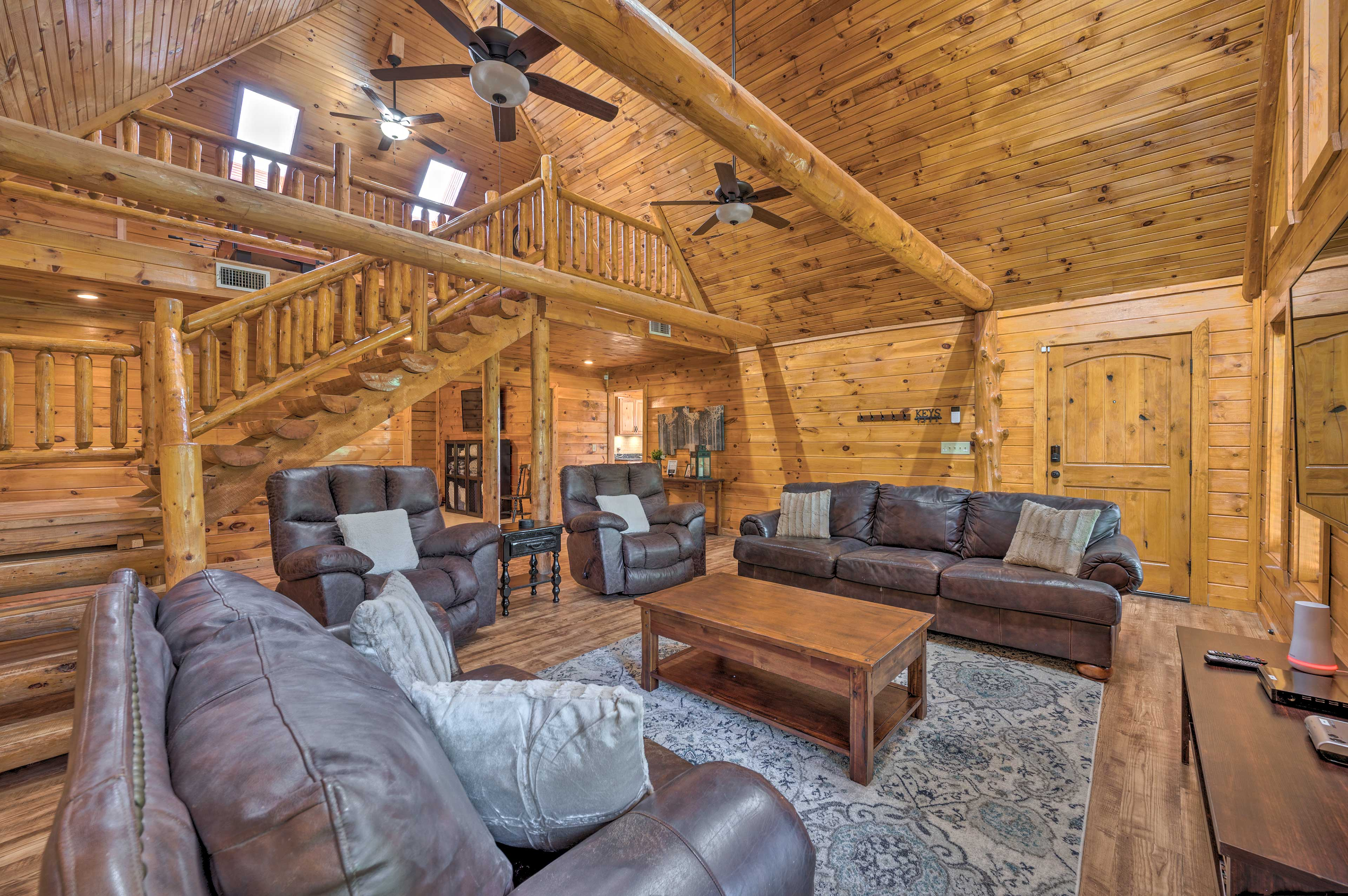 Broken Bow Vacation Rental   3BR   3.5BA   2,600 Sq Ft   2-Story Home