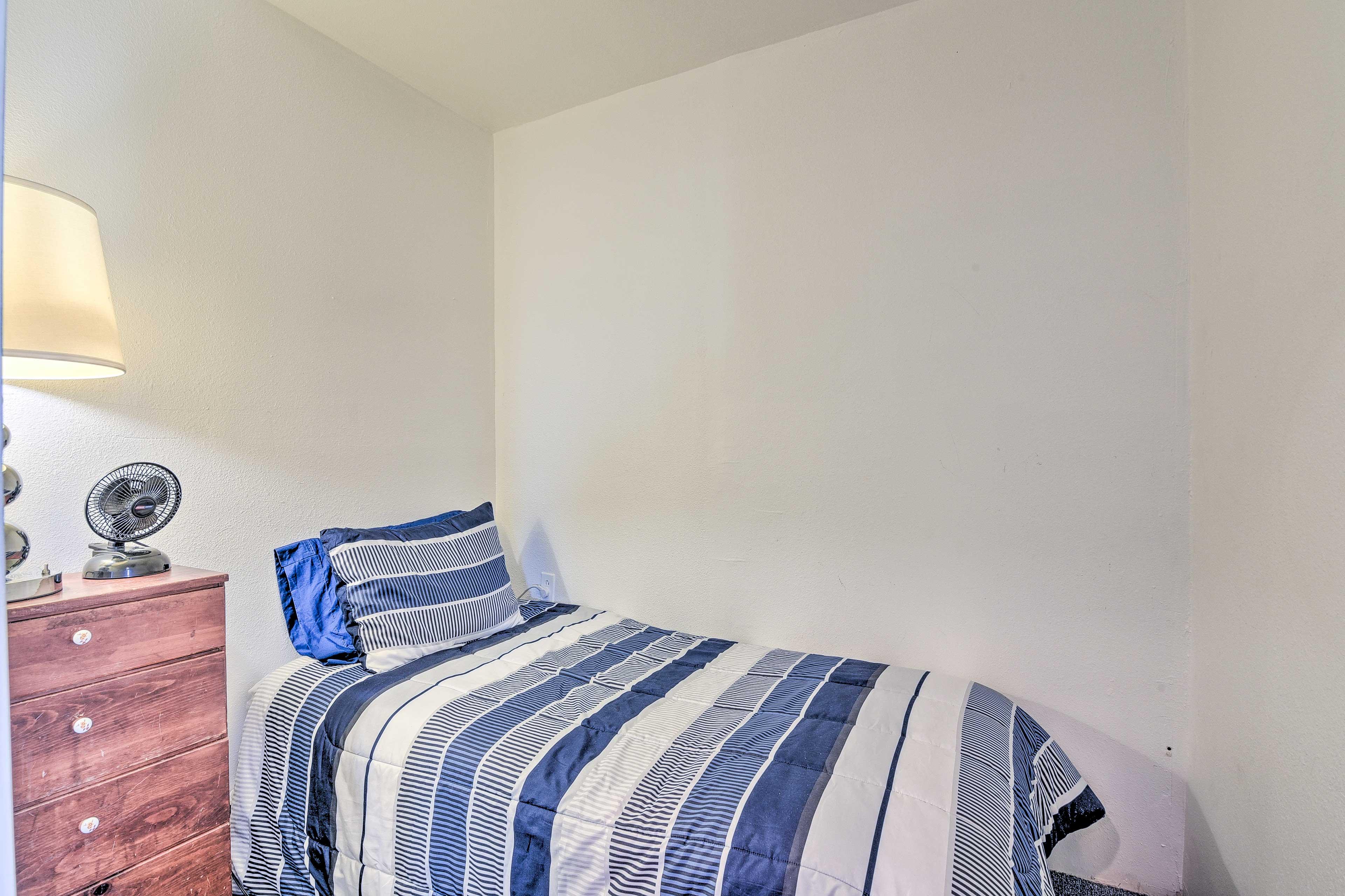 Bedroom 3 | Twin Bed