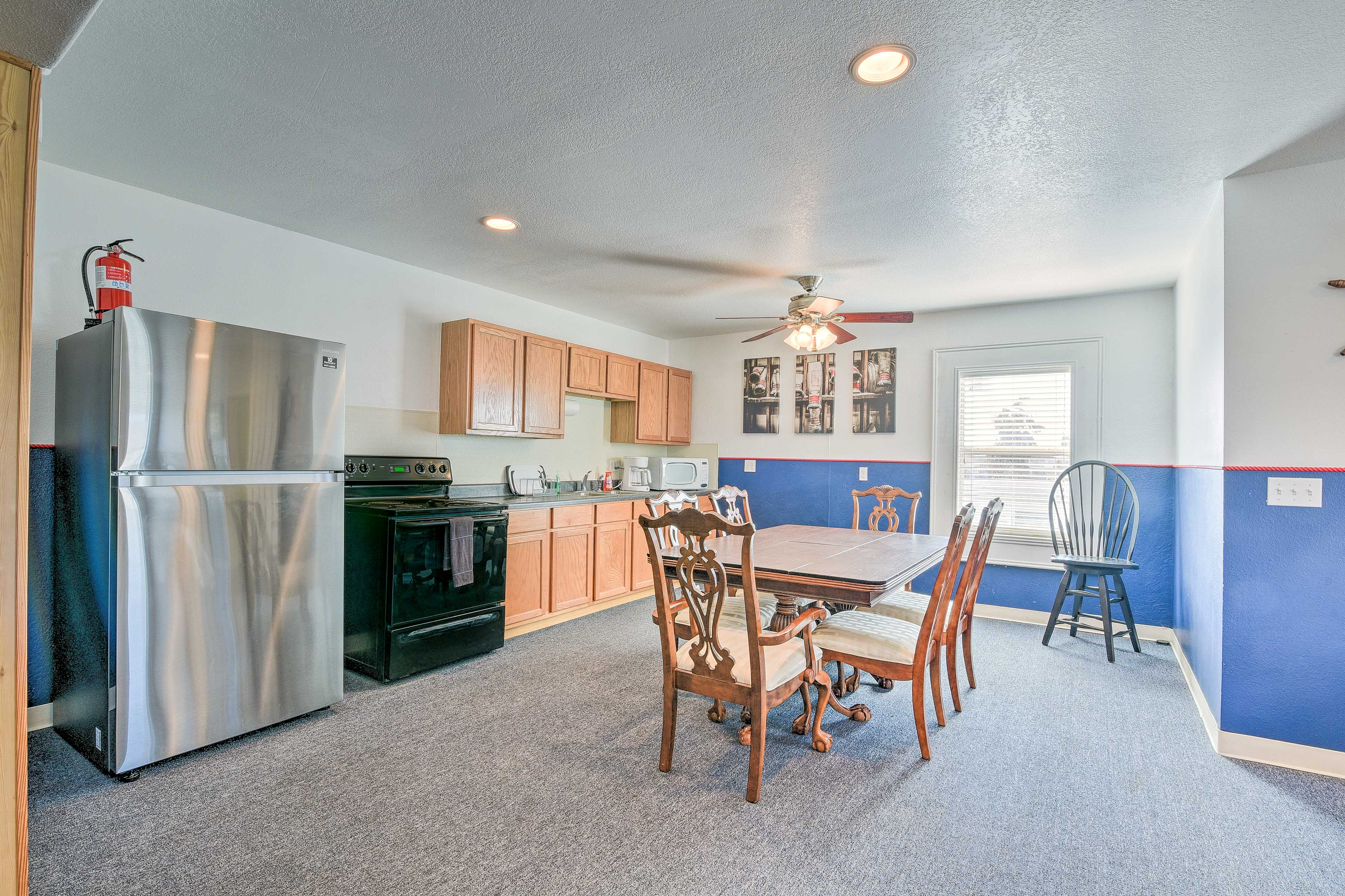 Well-Equipped Kitchen | Microwave | Drip Coffee Maker