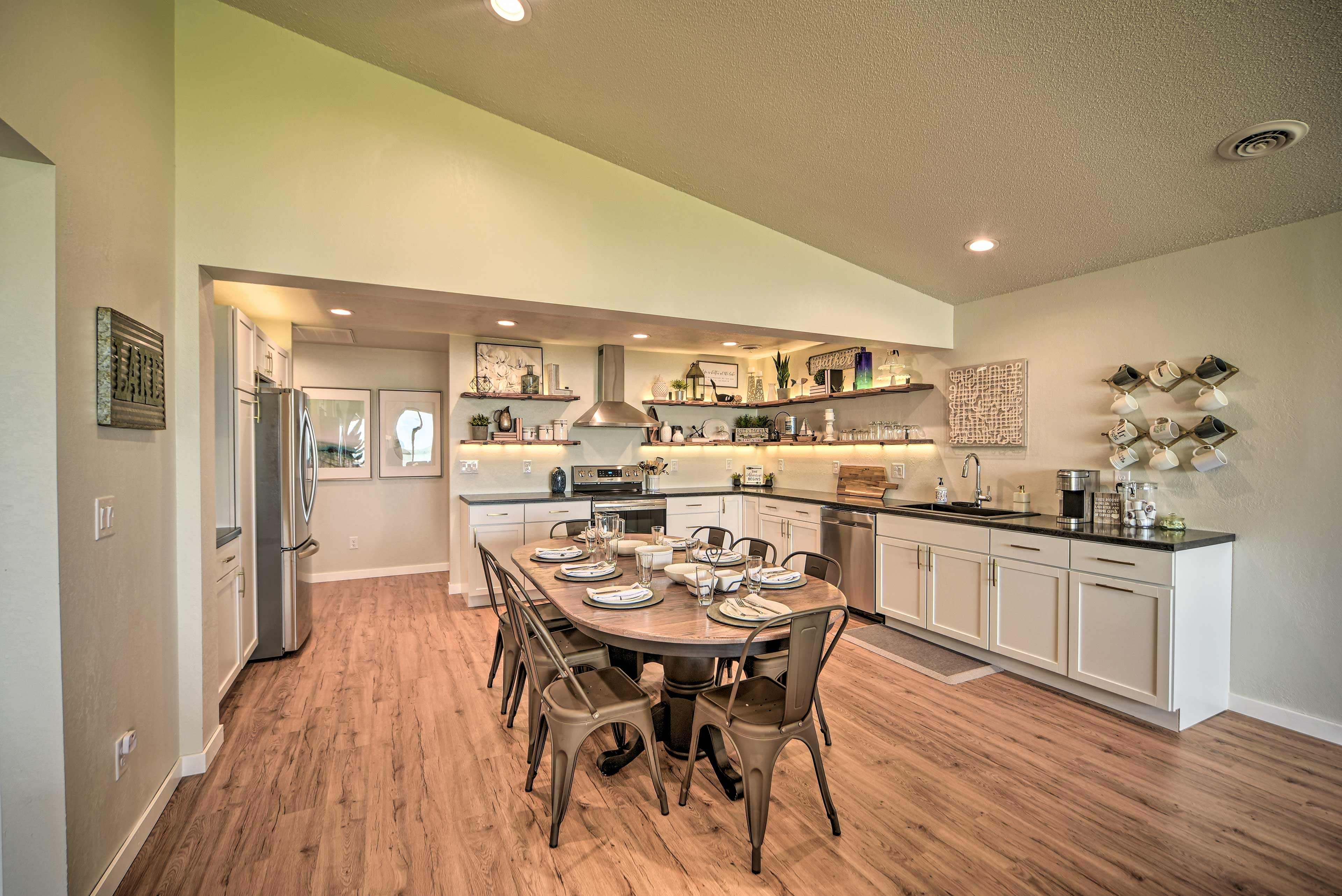 House Interior   Kitchen   Fully Equipped