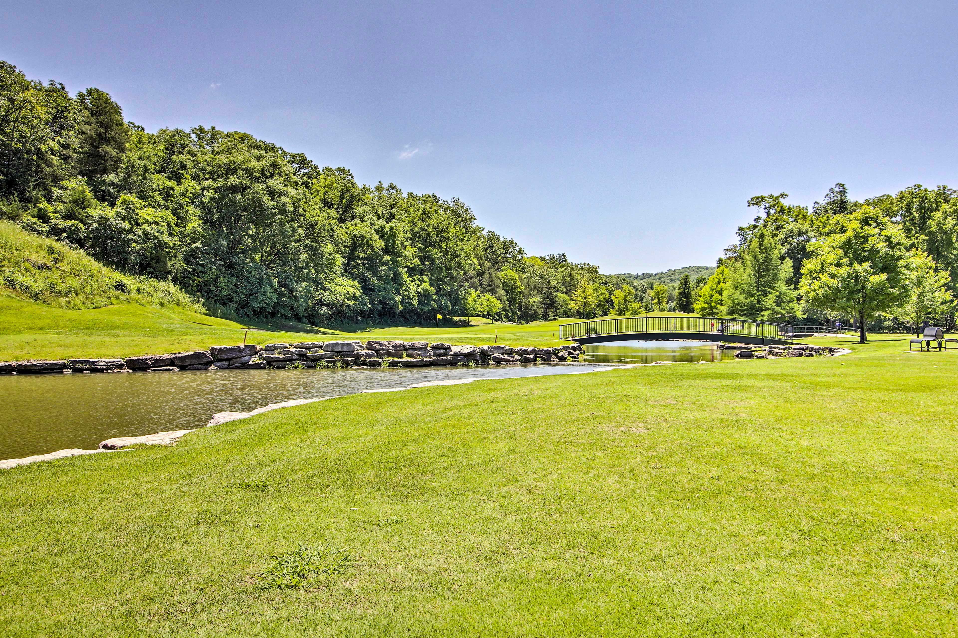 Community Amenities | Golf Course (w/ Additional Fee)