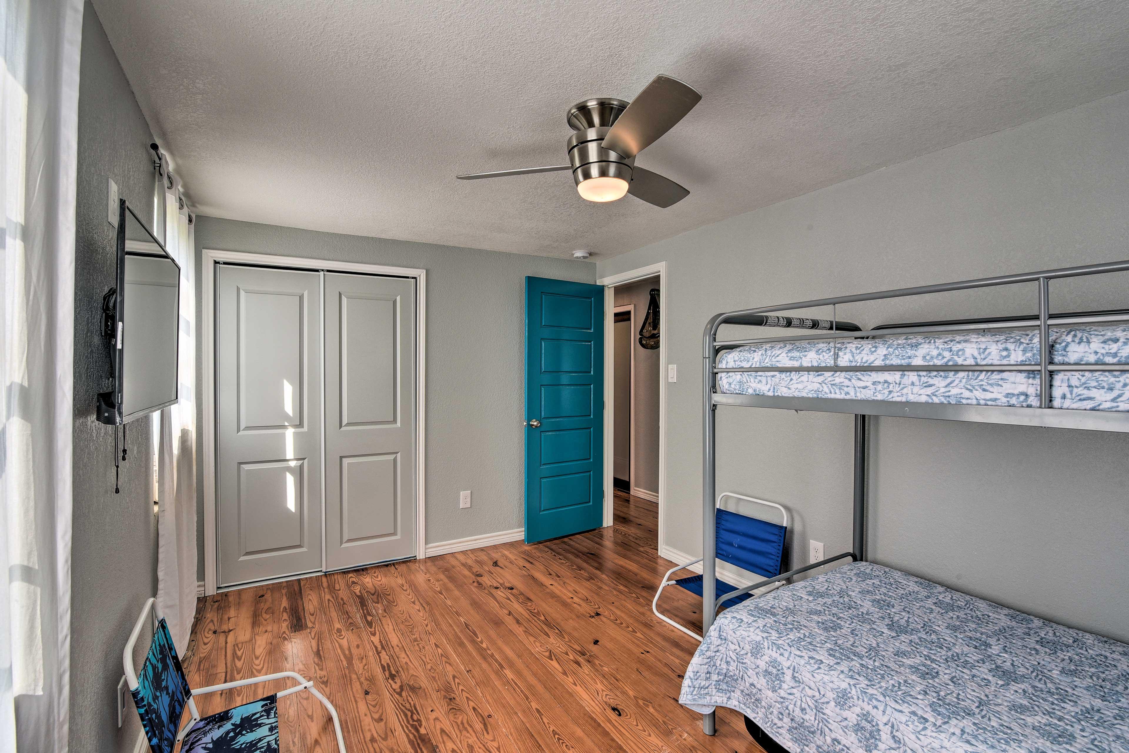 Bedroom 3   Smart TV