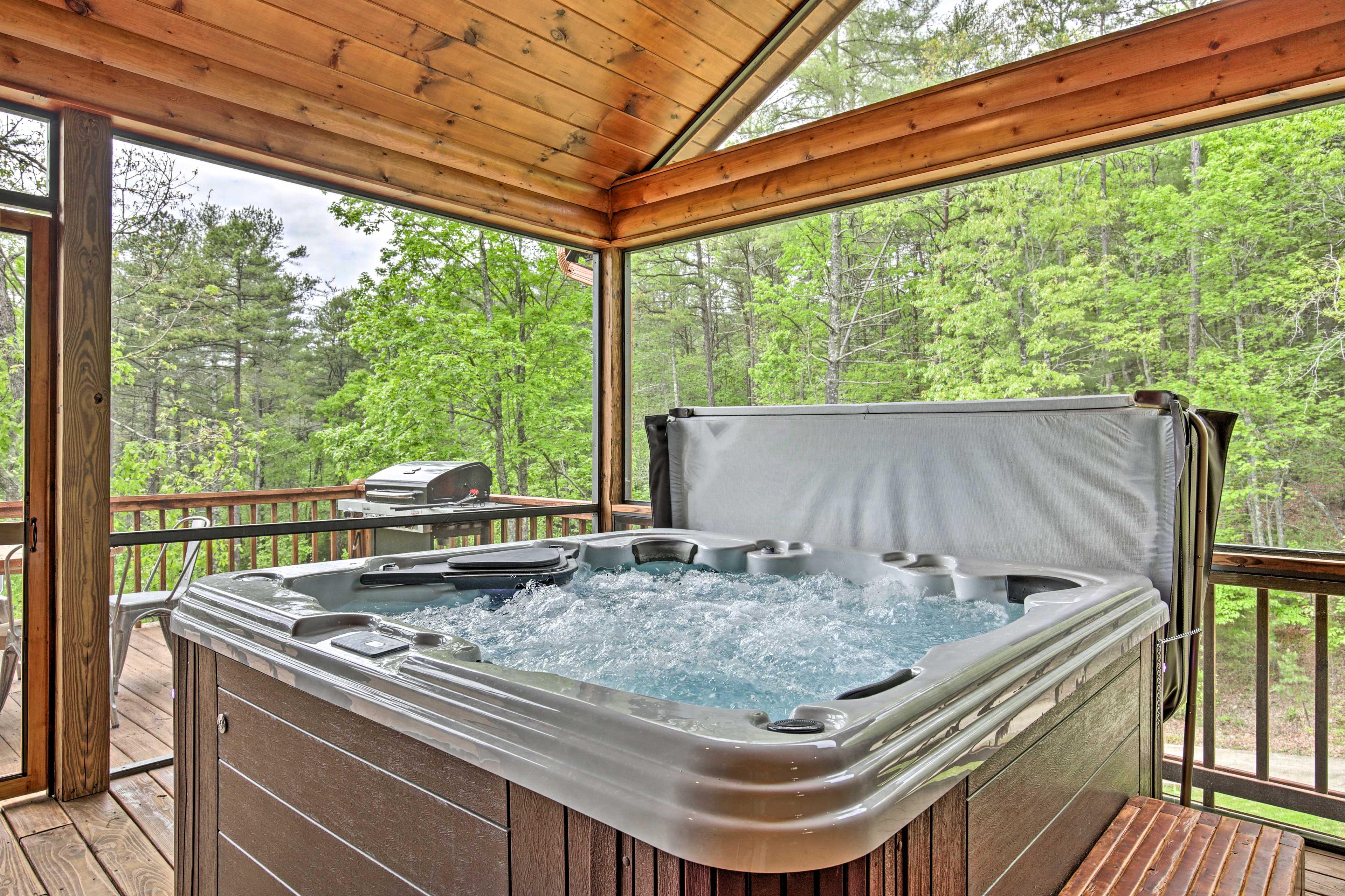 Screened-In Porch | Private Hot Tub