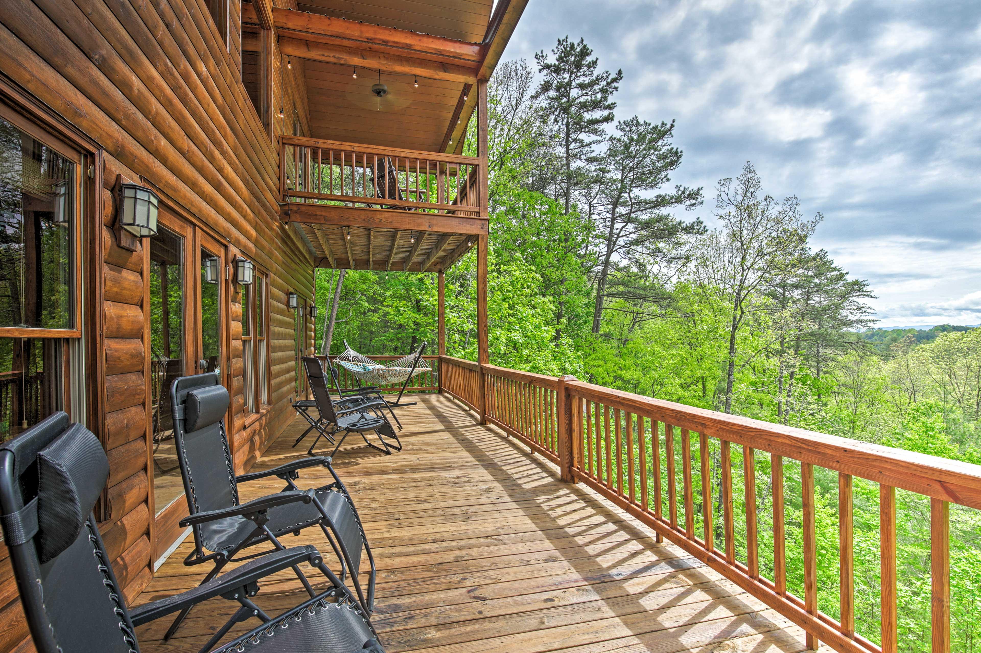Morganton Vacation Rental | 4BR | 3BA | 3,338 Sq Ft | 3 Stories