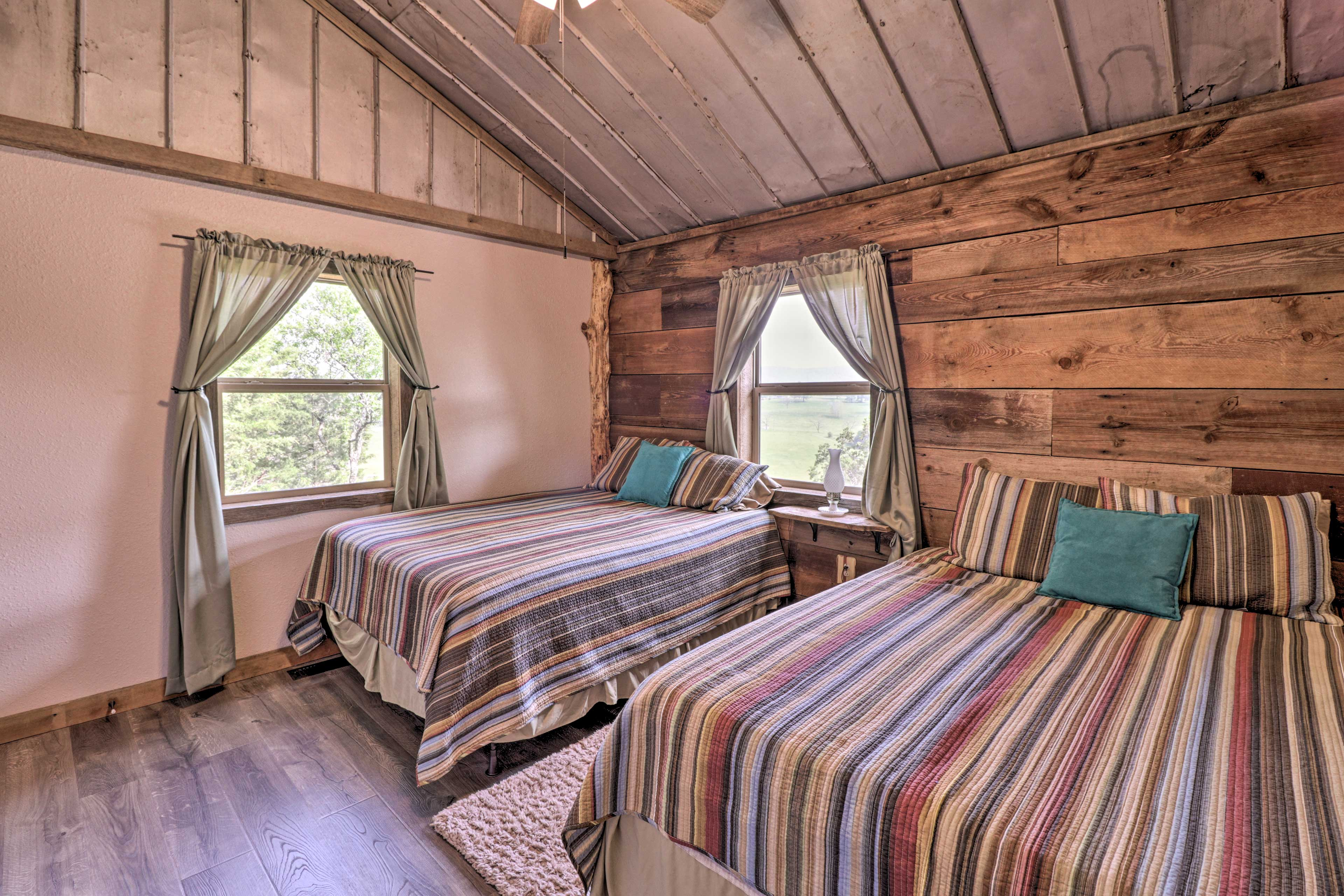 Bedroom 2 | 2 Queen Beds