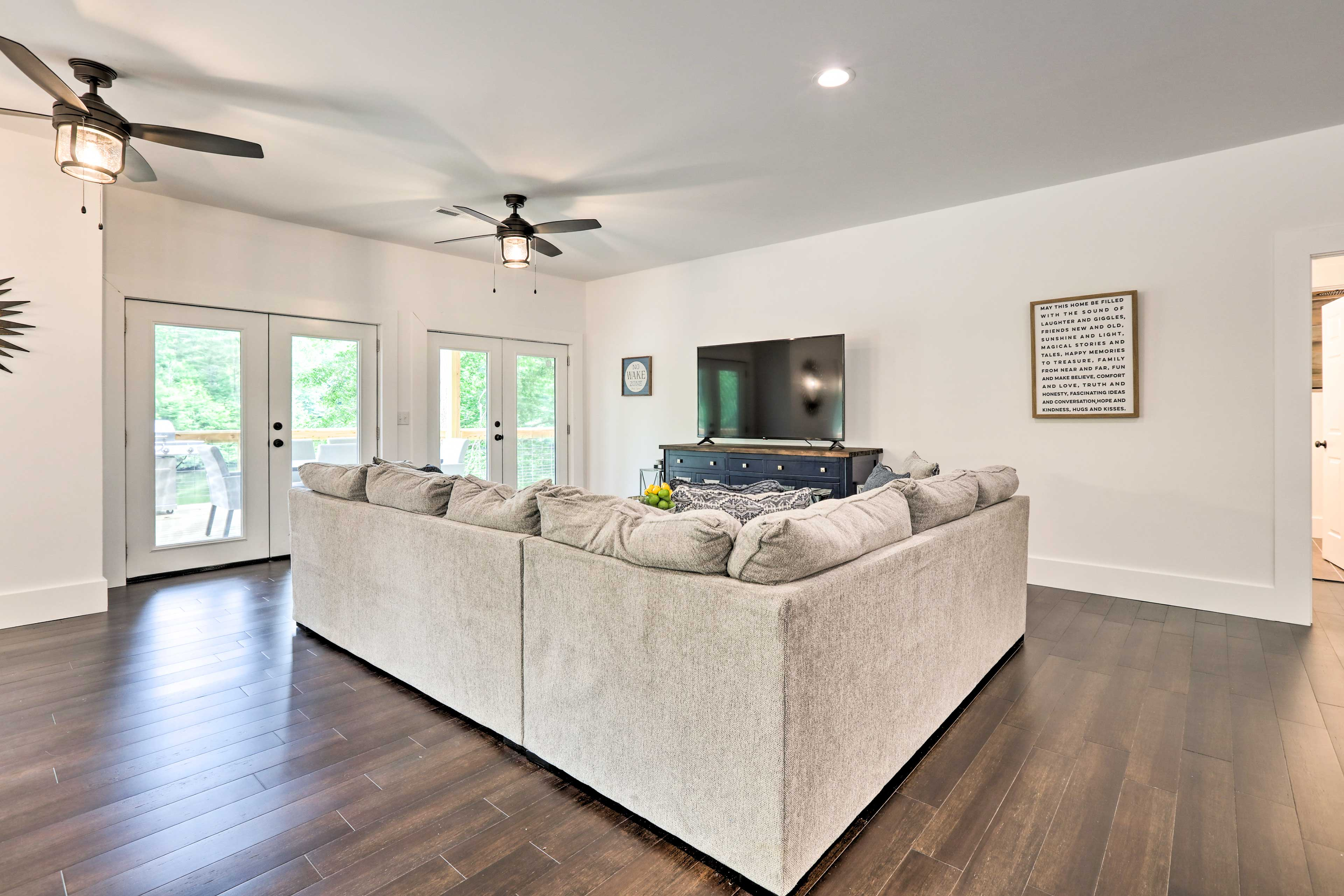 Living Room | Central Heating & Air Conditioning