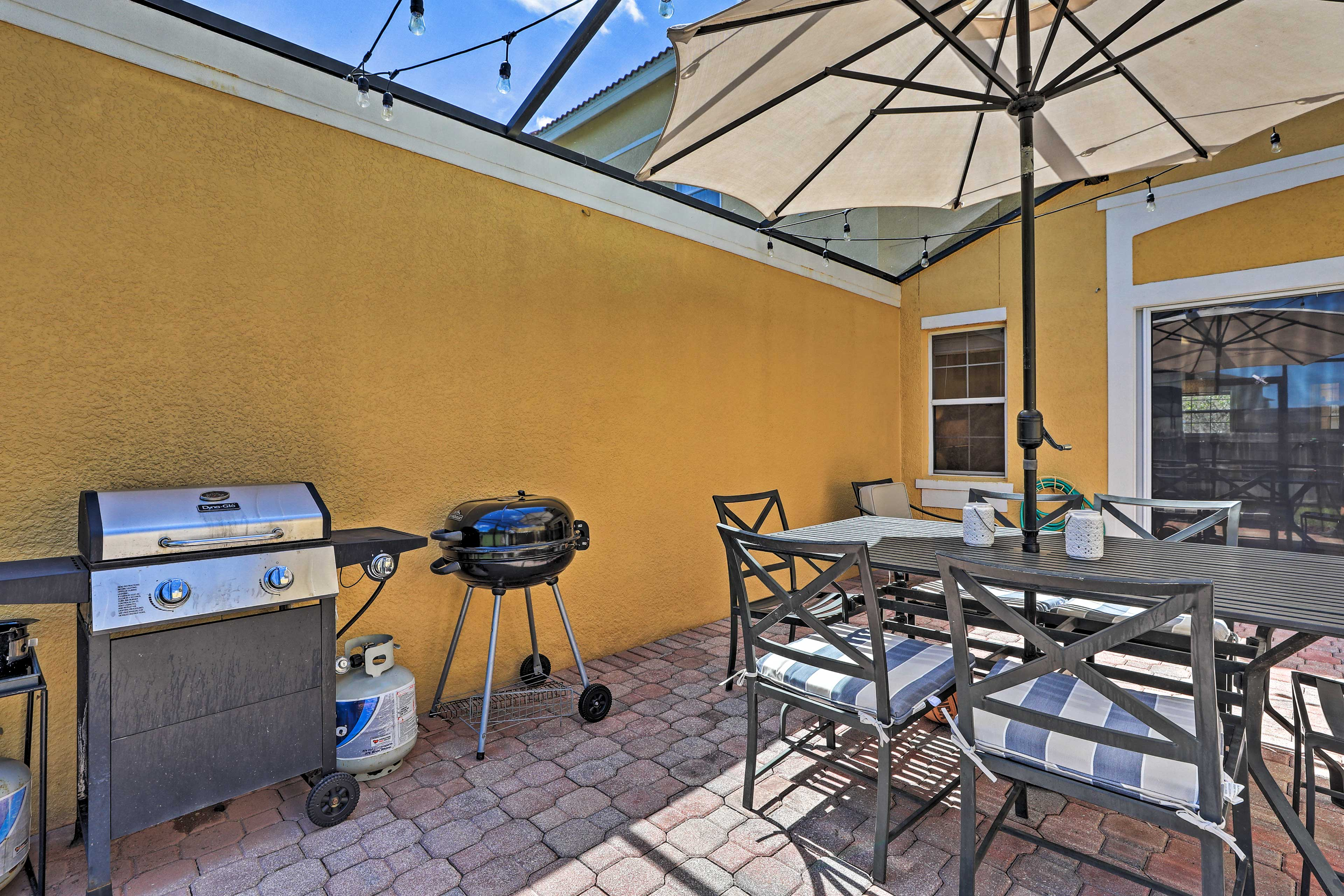 Outdoor Space   Gas Grill   Charcoal Grill