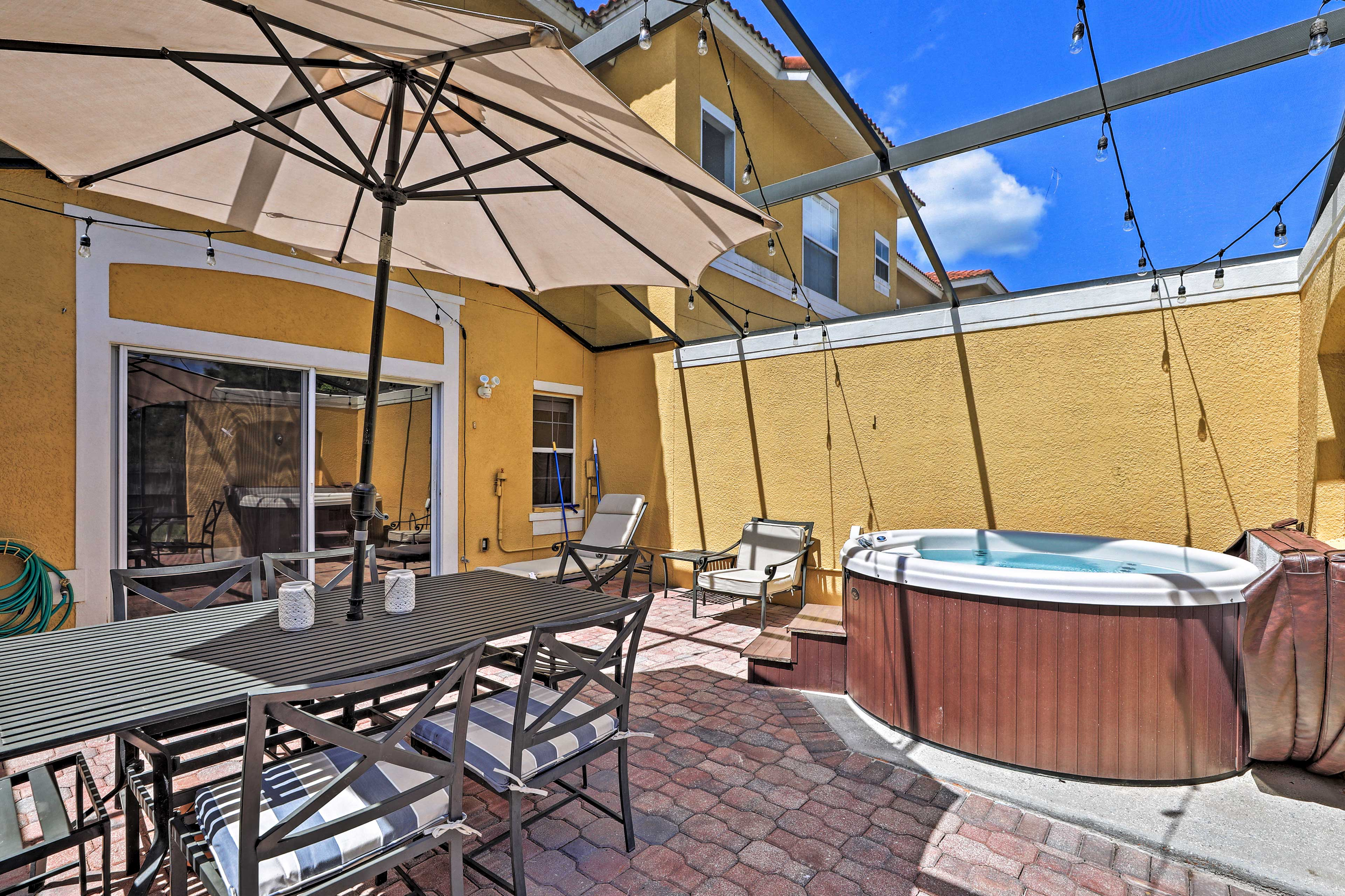 Outdoor Space   Private Hot Tub