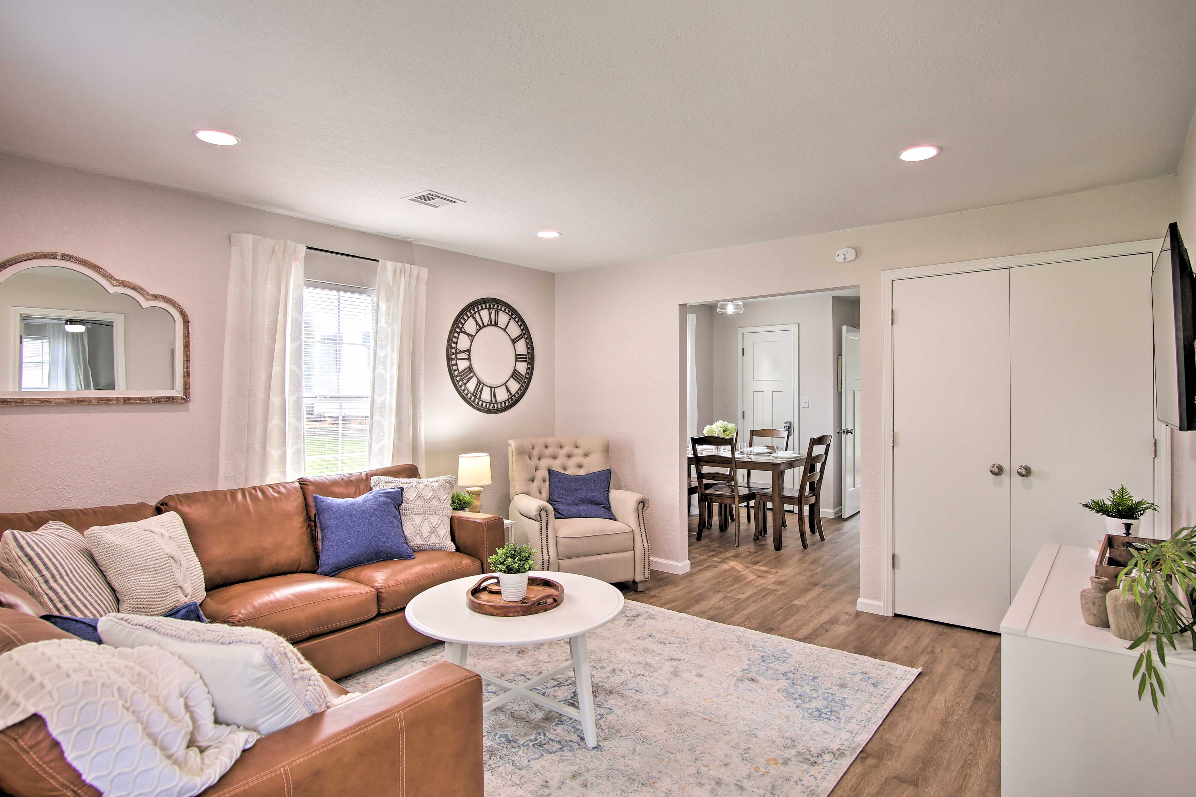 Living Area   Keyless Entry