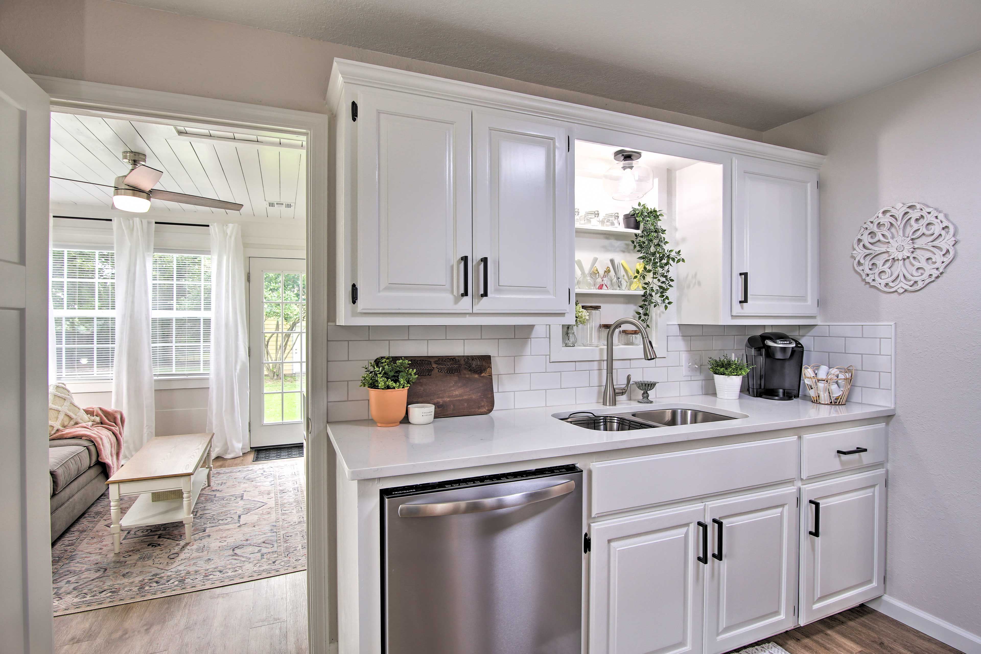 Kitchen   Newly Remodeled   Updated Appliances