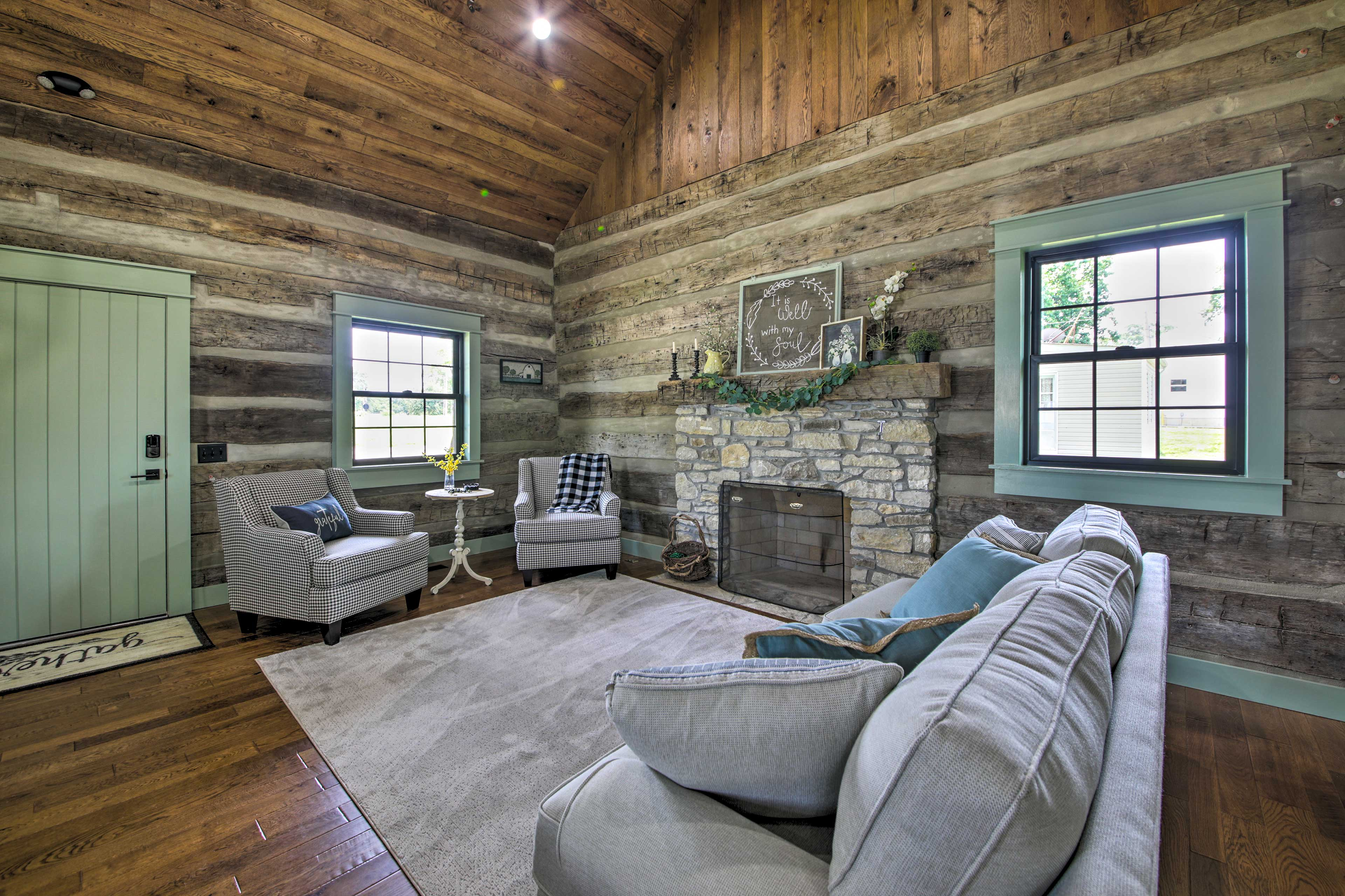 Living Room   Decorative Fireplace