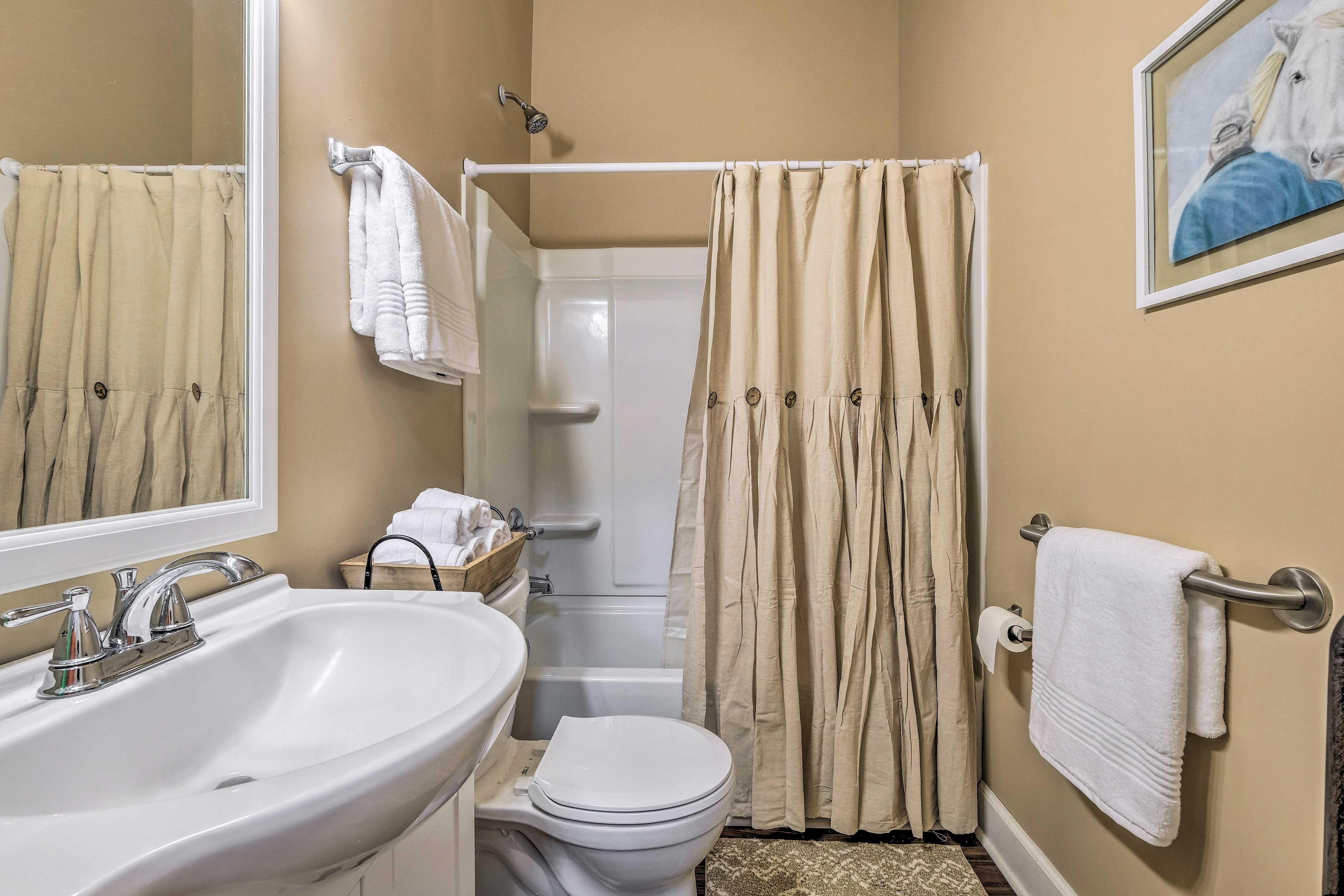 Full Bathroom | Hair Dryer