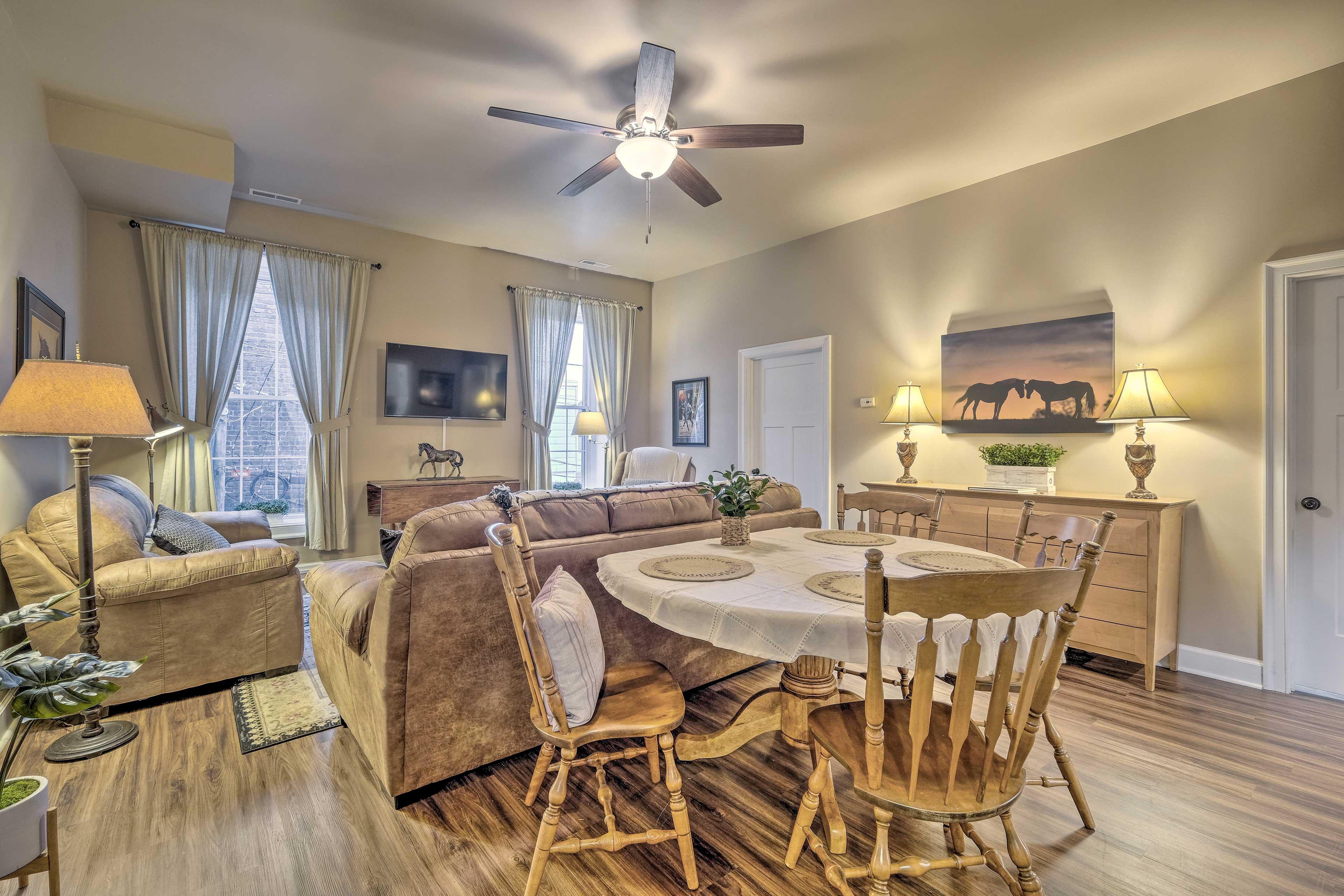 Living Room | Dishware & Flatware