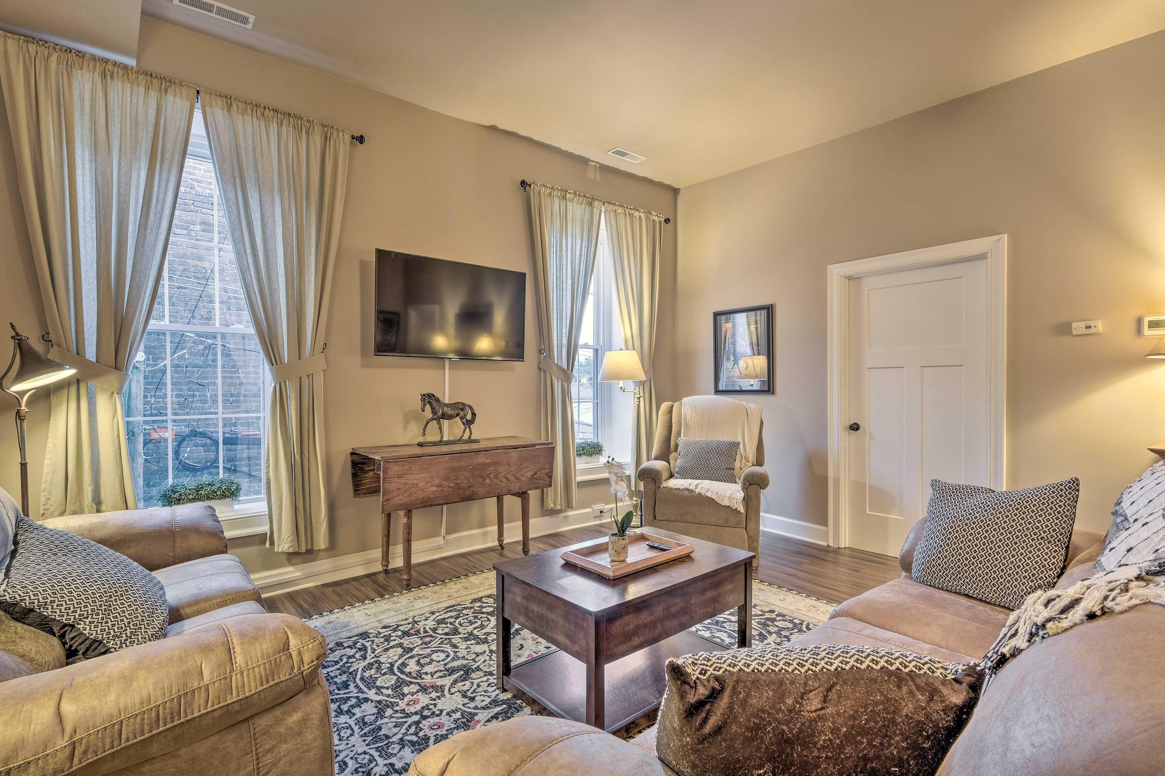 Georgetown Vacation Rental | 2BR | 1BA | 865 Sq Ft | 2nd-Floor Unit