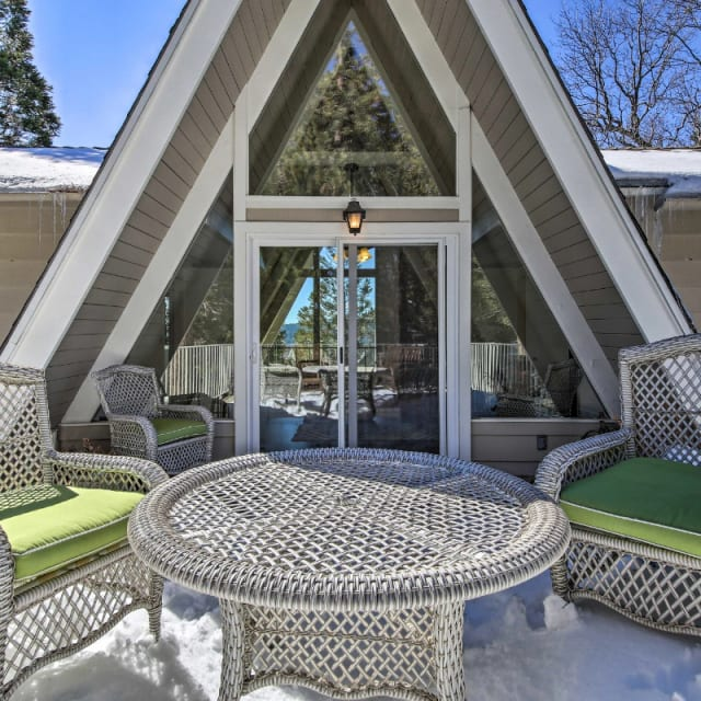 Eco-friendly A-Frame vacation rental cabin in Lake Arrowhead, California