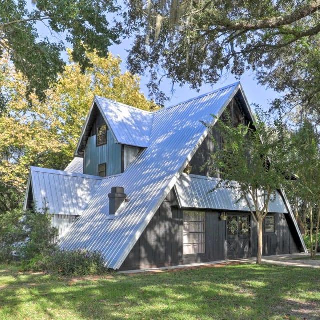 Spacious A-Frame vacation rental cabin in Lakeland, Florida