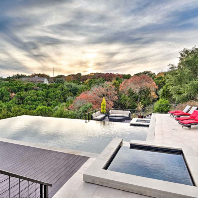 Infinity pool with hillside views at an Austin, Texas vacation rental