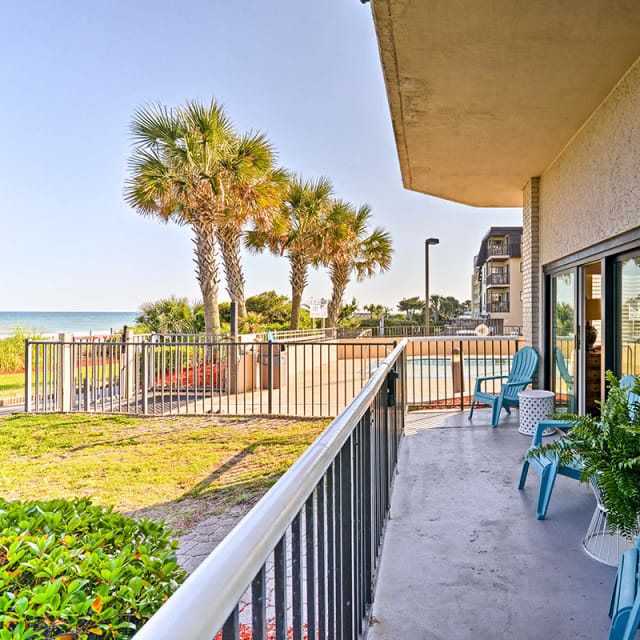 Vacation rental property outdoor space in Myrtle Beach, South Carolina