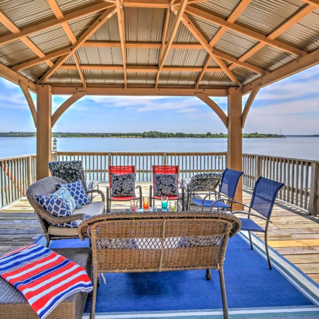 Outdoor deck at a lakefront vacation rental in Granbury, Texas