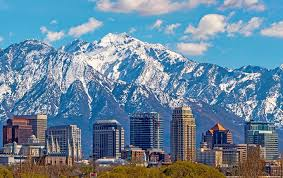 Scenic view of Salt Lake City, Utah with the mountains behind the city skyline
