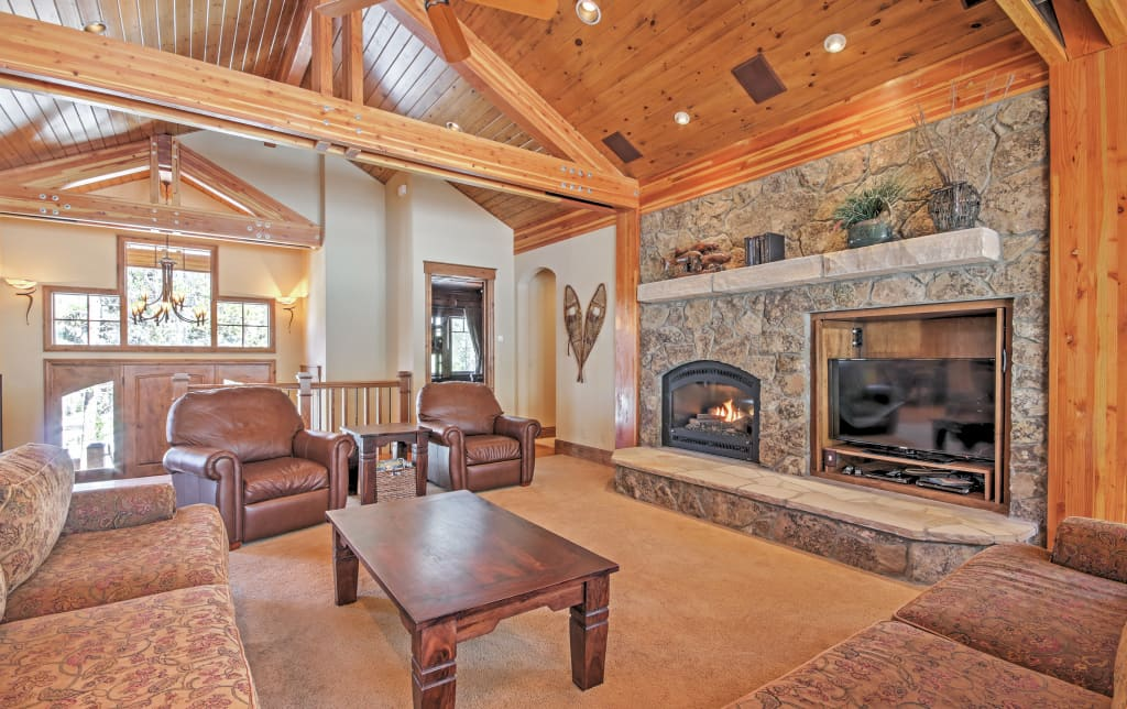 Phenomenal 4 8Star Luxury Breck Home Book Now For Ski Season Gmtry Best Dining Table And Chair Ideas Images Gmtryco