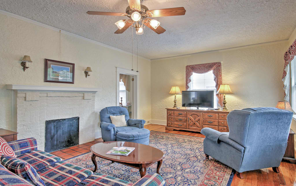 Astounding Augusta Bungalow Near The Masters Natl Golf Course Gmtry Best Dining Table And Chair Ideas Images Gmtryco
