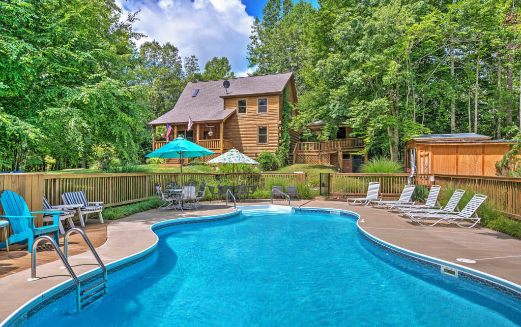 3BR Lodge Sandy Hook Cabin w Saltwater Pool