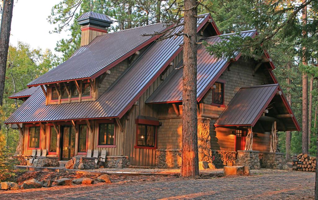4BR Ashland Lodge Style House wPatio