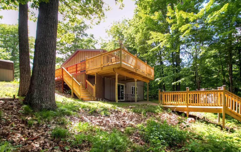 Brilliant Remodeled Red Cedar Lake Home W Pontoon Rental Home Interior And Landscaping Oversignezvosmurscom