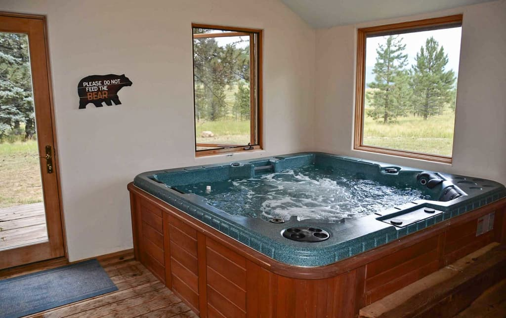 Angel Fire Cabin w/Indoor Hot Tub!