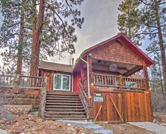 cabin tn log area living unit in big cabins gatlinburg tennessee rentals bigb bear