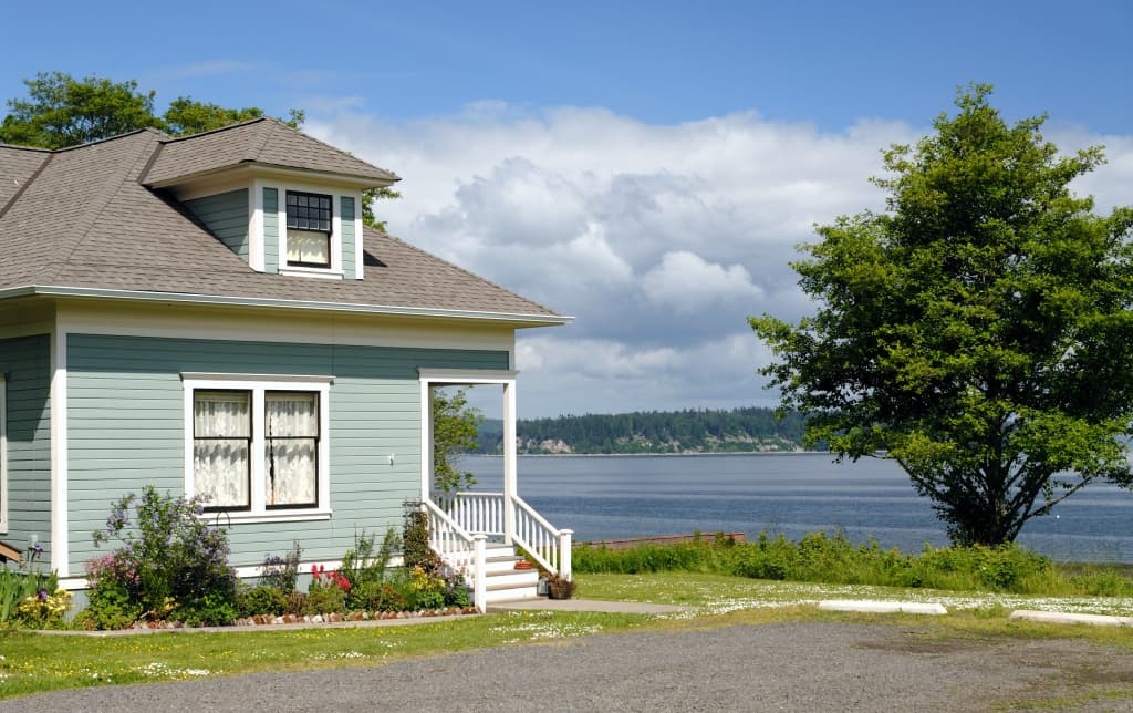 Waterfront Port Gamble Cottage w/Puget Sound Views