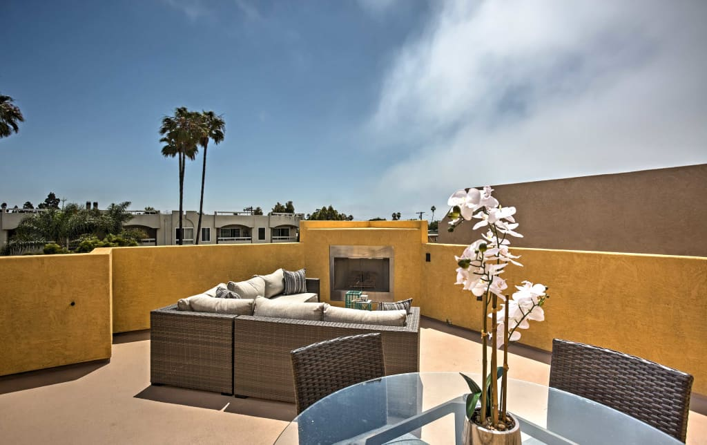 Surprising Pacific Beach House W Rooftop Deck Walk To Beach Download Free Architecture Designs Sospemadebymaigaardcom