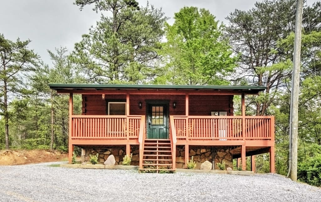 bed tubs cabins hot vrbo in sleeps di bath tub private missouri with