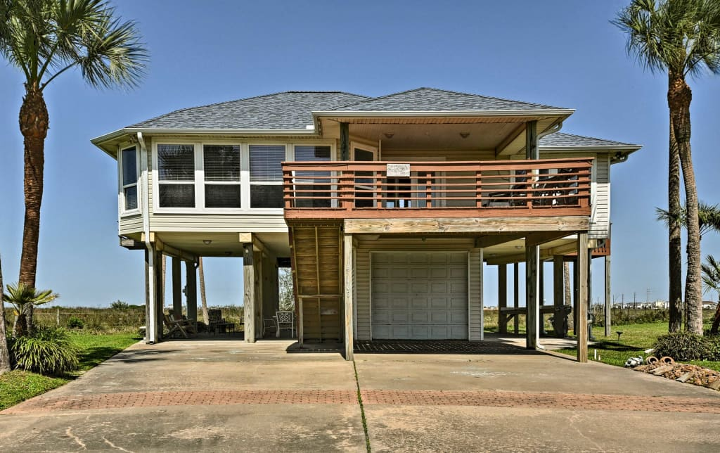 Private Galveston House w/Hot Tub, Deck & Views!