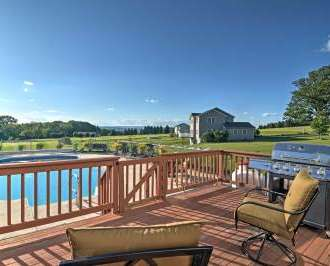 Astounding Lovely Saylorsburg Home W Pool Amazing Views Interior Design Ideas Inesswwsoteloinfo