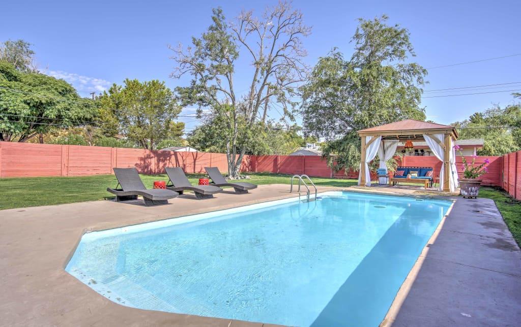 Vintage Las Vegas House w/ Pool - Near The Strip!