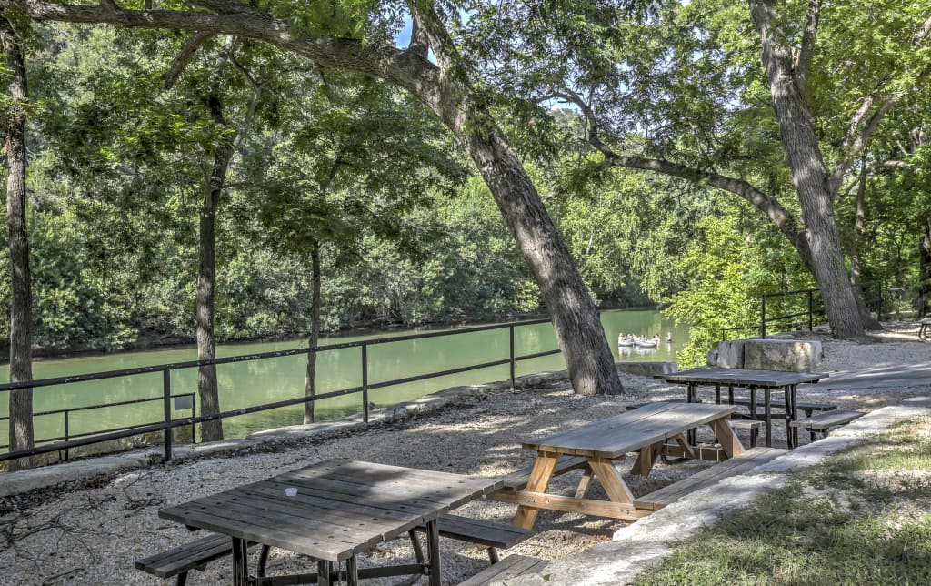 New Braunfels House w/Deck - Steps from River!