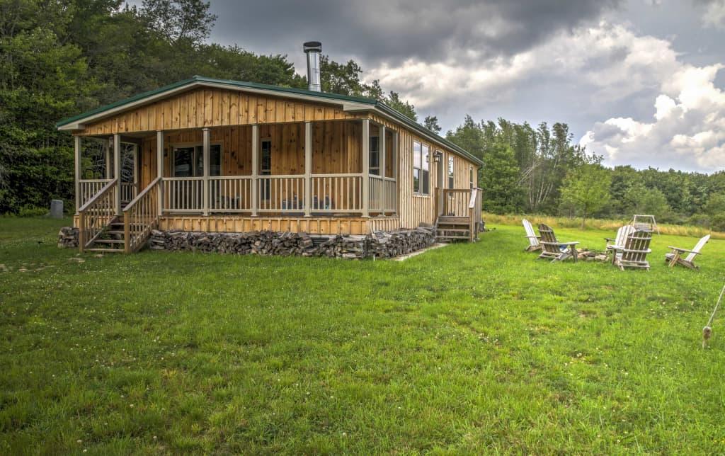 Gentil 3BR Livingston Manor Cabin   Walk To Lake!