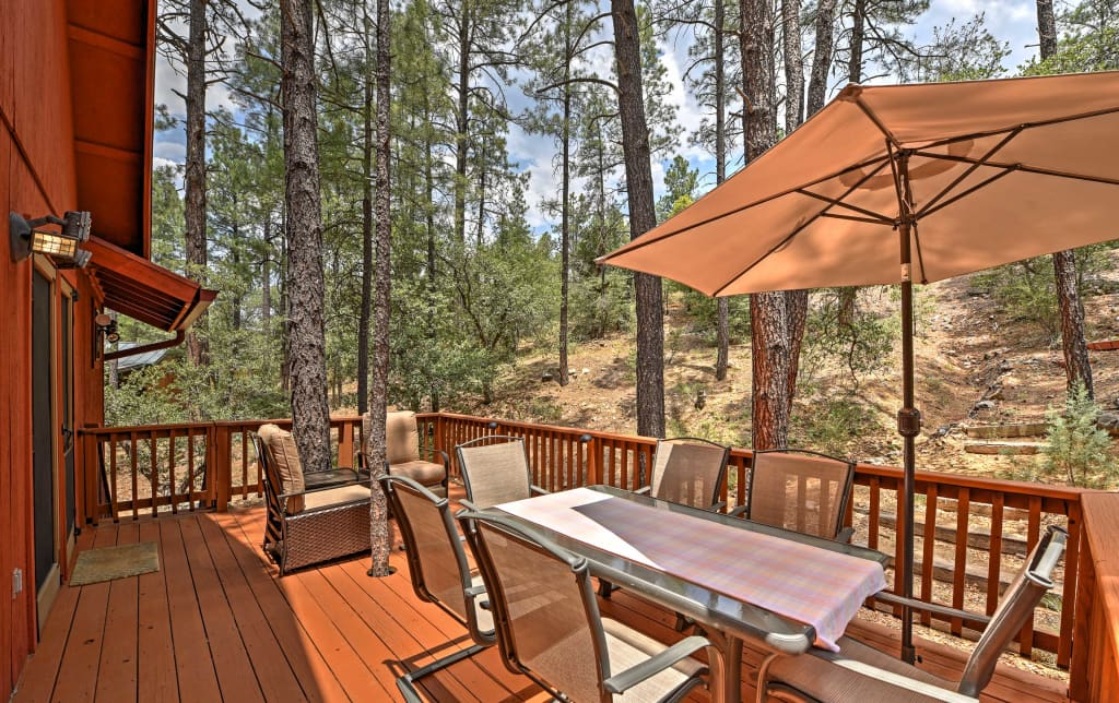 full amenities each juniper prescott comfortable well ranch far uniquely accommodations cabin of delight decorated from guests our the pioneers to lodging and cabins is